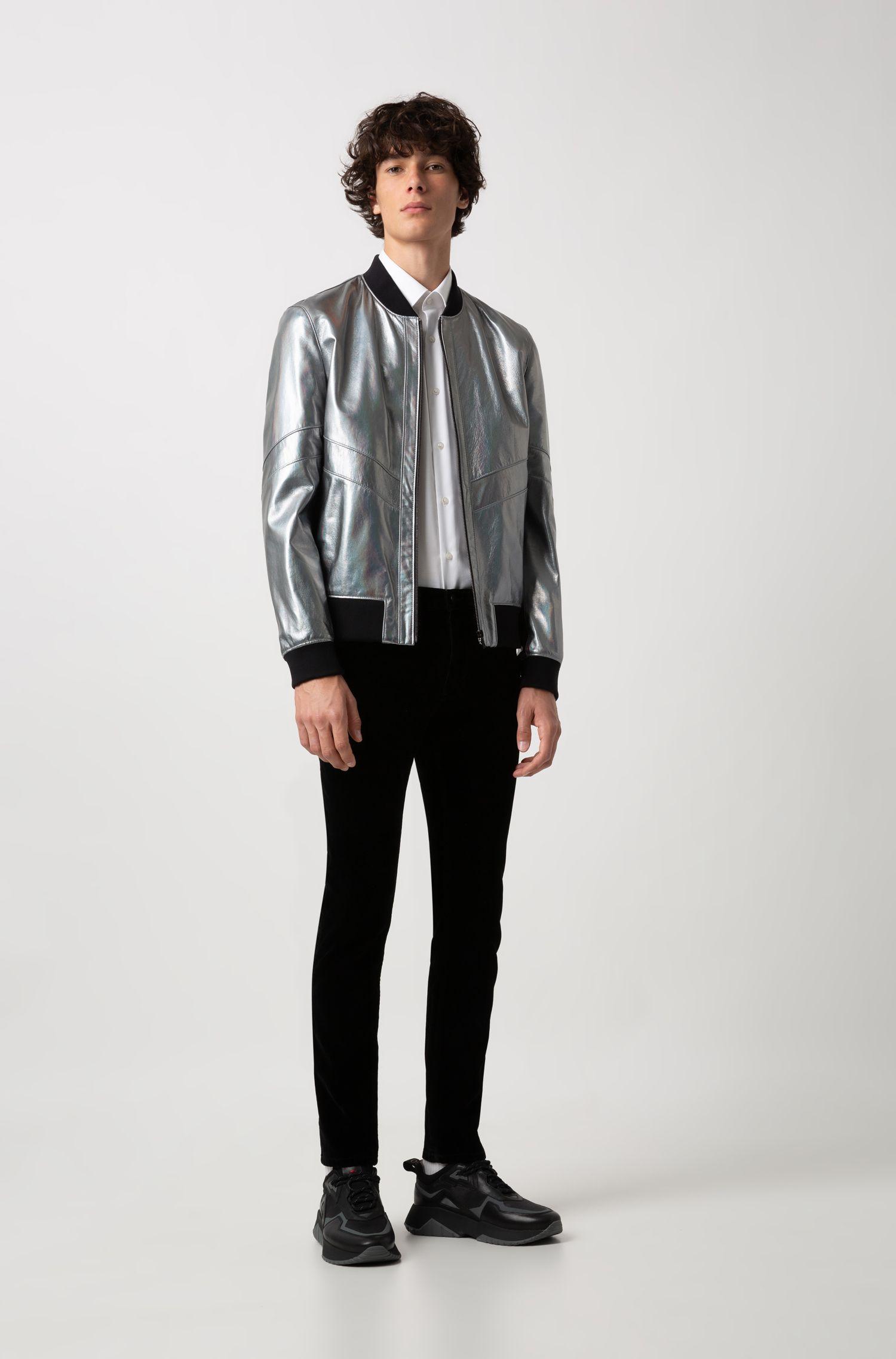 Regular-Fit Hemd aus bügelleichter Baumwolle mit Fischgrät-Struktur, Weiß