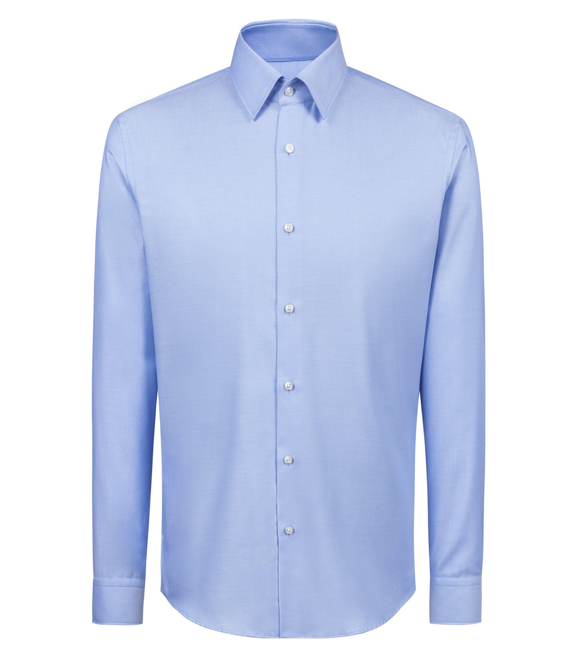 Regular-Fit Hemd aus bügelleichter Baumwolle mit Fischgrät-Struktur, Hellblau