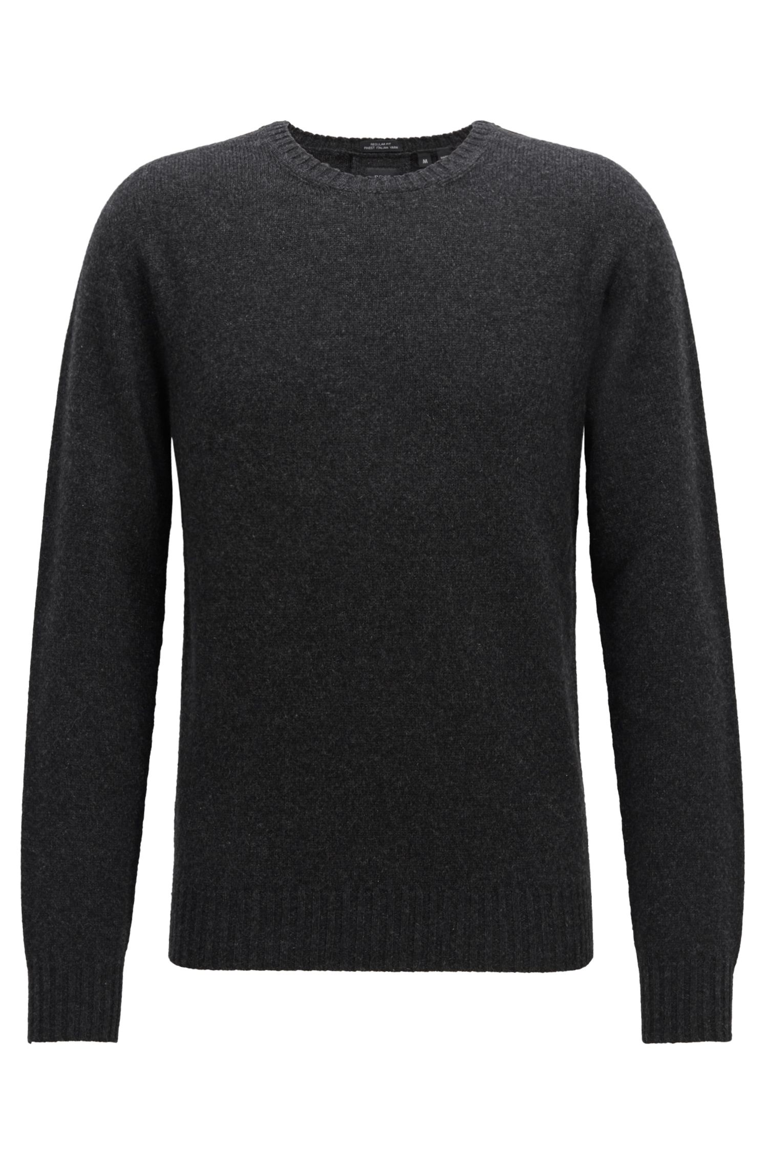 Knitted sweater in pure cashmere with seam-free construction