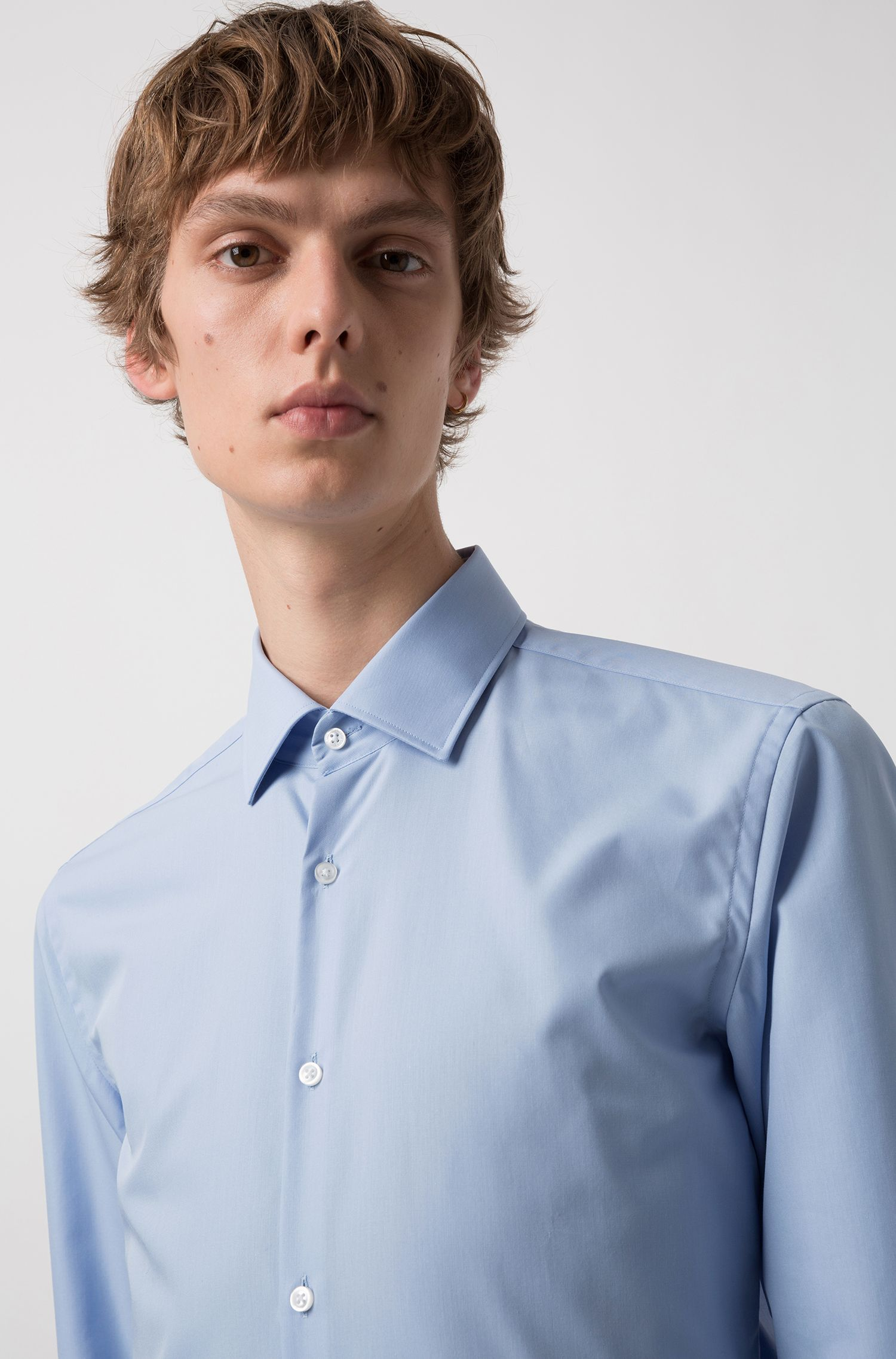Slim-fit shirt in easy-iron cotton with internal logo trim, Light Blue