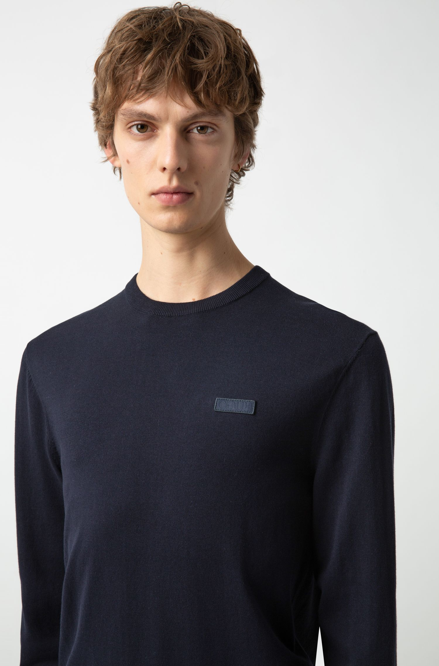 Crew-neck crepe sweater with logo badge, Dark Blue