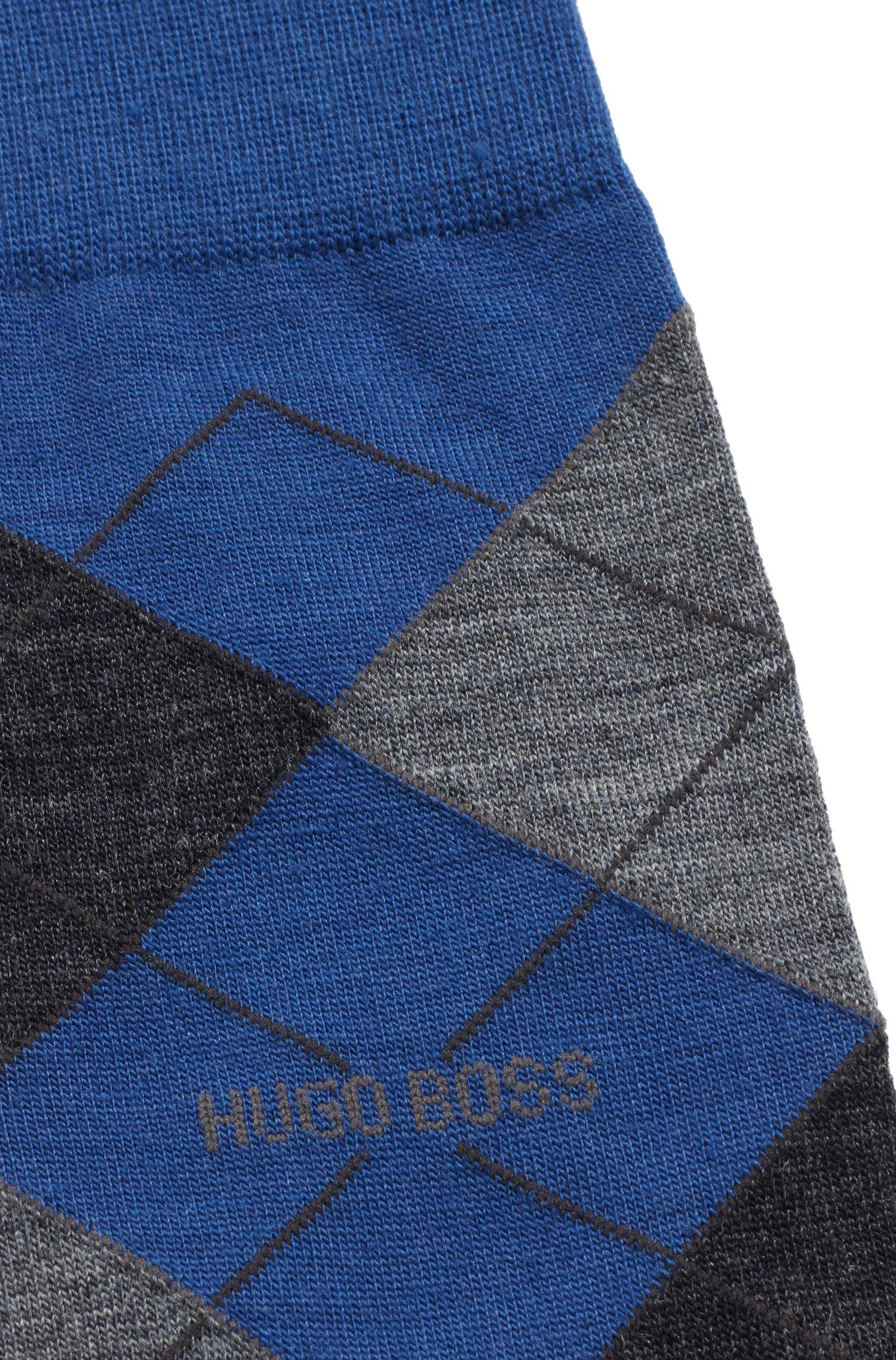 Mittelhohe Socken aus Woll-Mix mit Rautenmuster, Blau