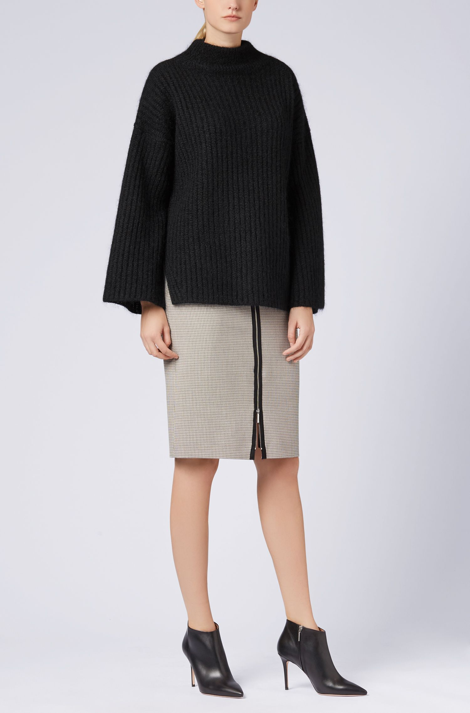 Maglione a collo alto in misto lana realizzato in Italia