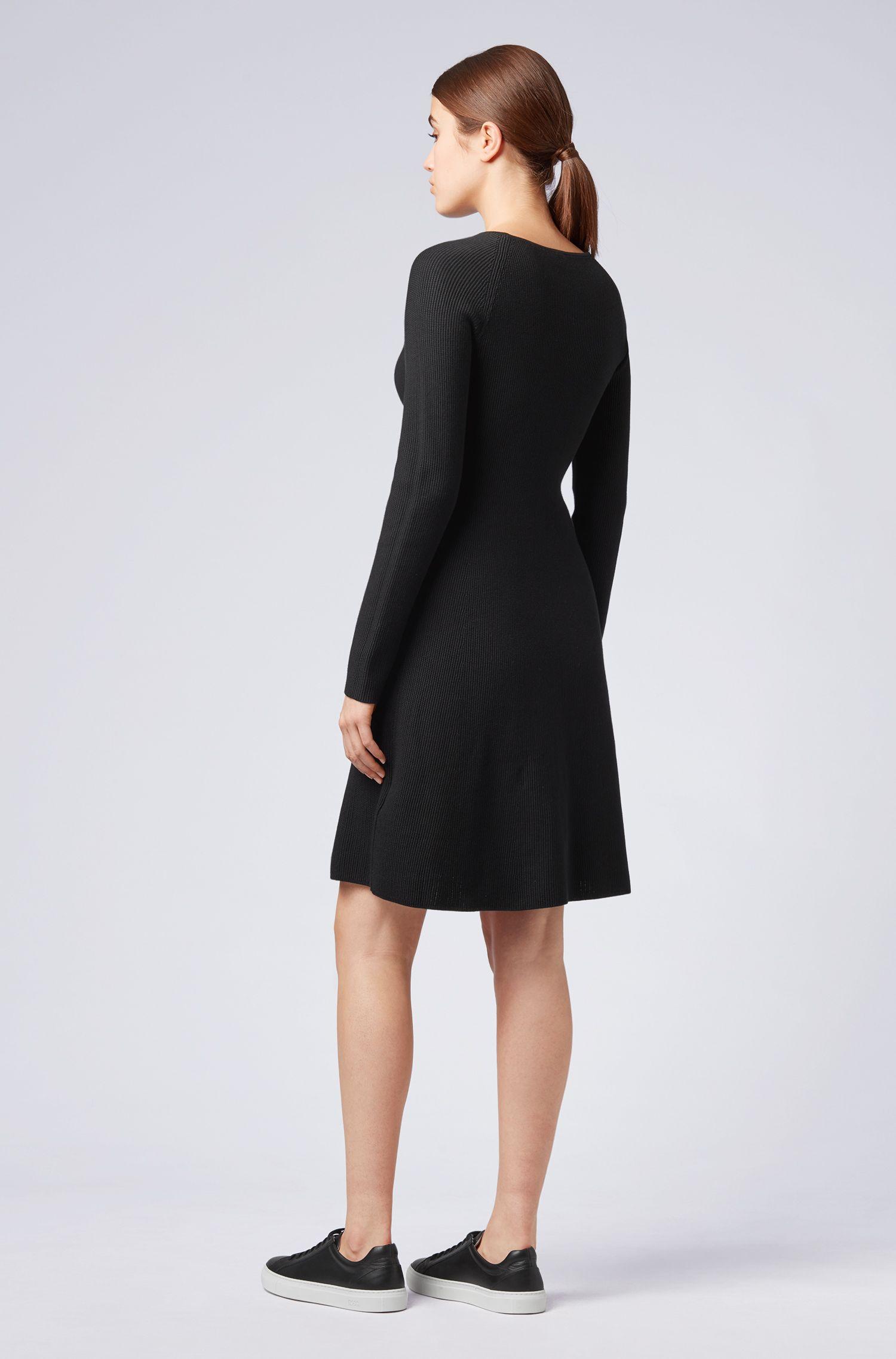 Robe en maille de coton mélangé, avec manches raglan, Noir