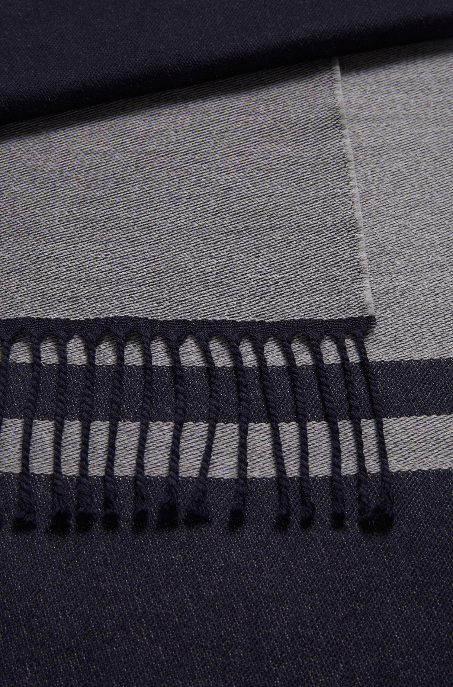 In Italië vervaardigde maatwerksjaal van scheerwol met logo, Donkerblauw