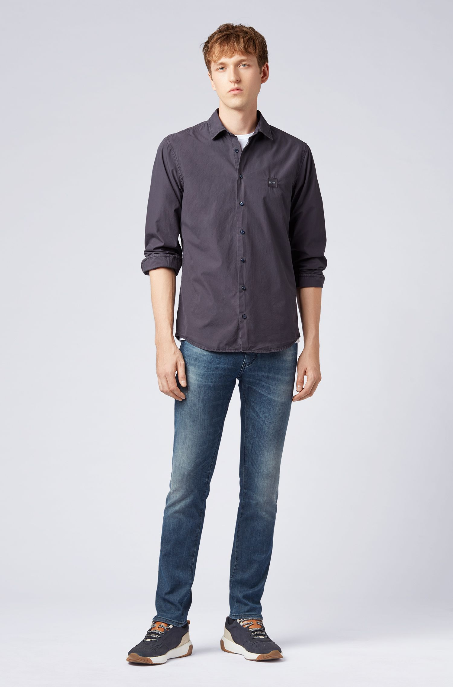 Slim-fit overhemd in paper-touch katoen met pigmentkleuring, Donkerblauw