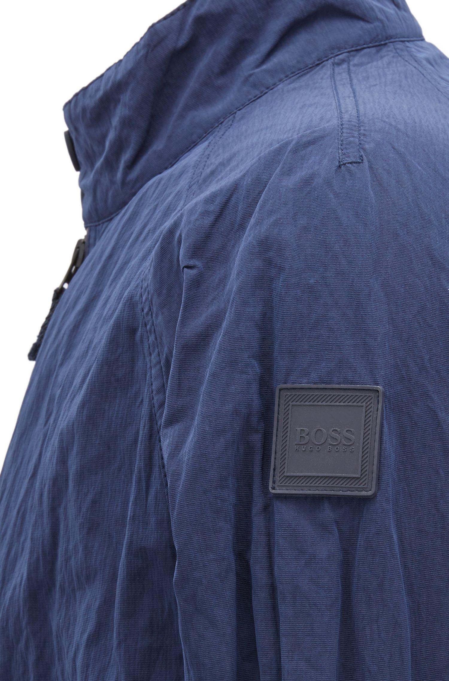 Jacke aus wasserabweisendem Material-Mix in Metallic-Optik, Dunkelblau