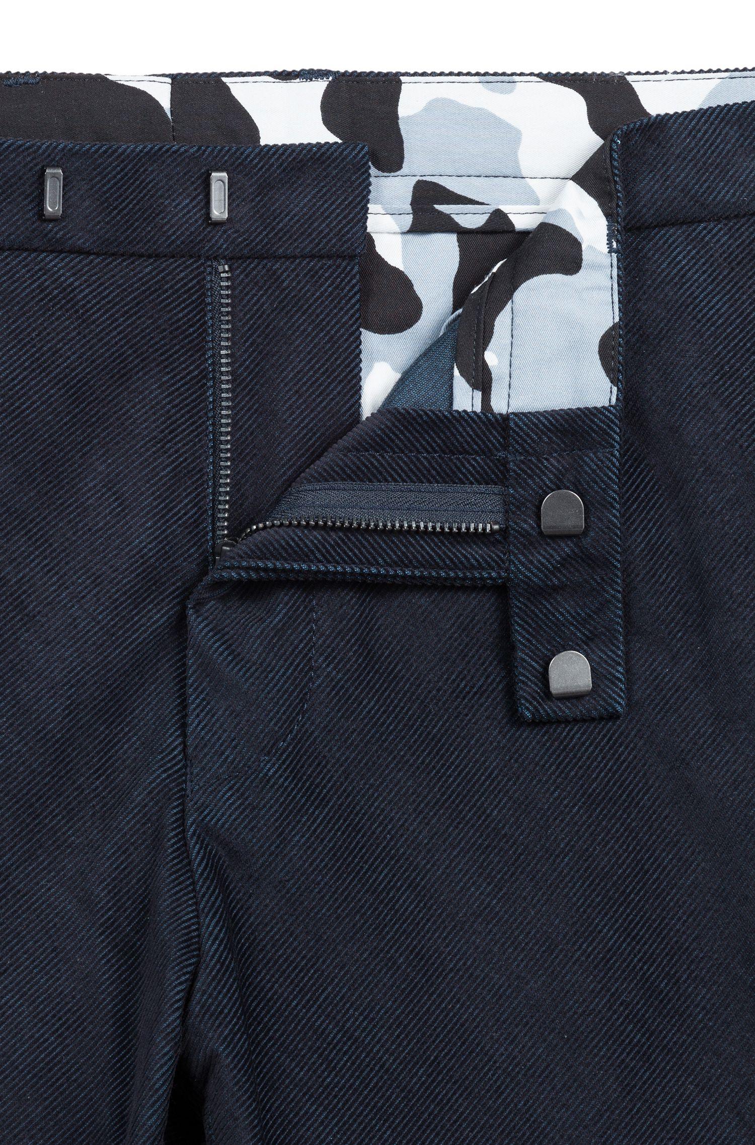 Slim-fit broek in diagonaal gestreepte corduroy, Donkerblauw