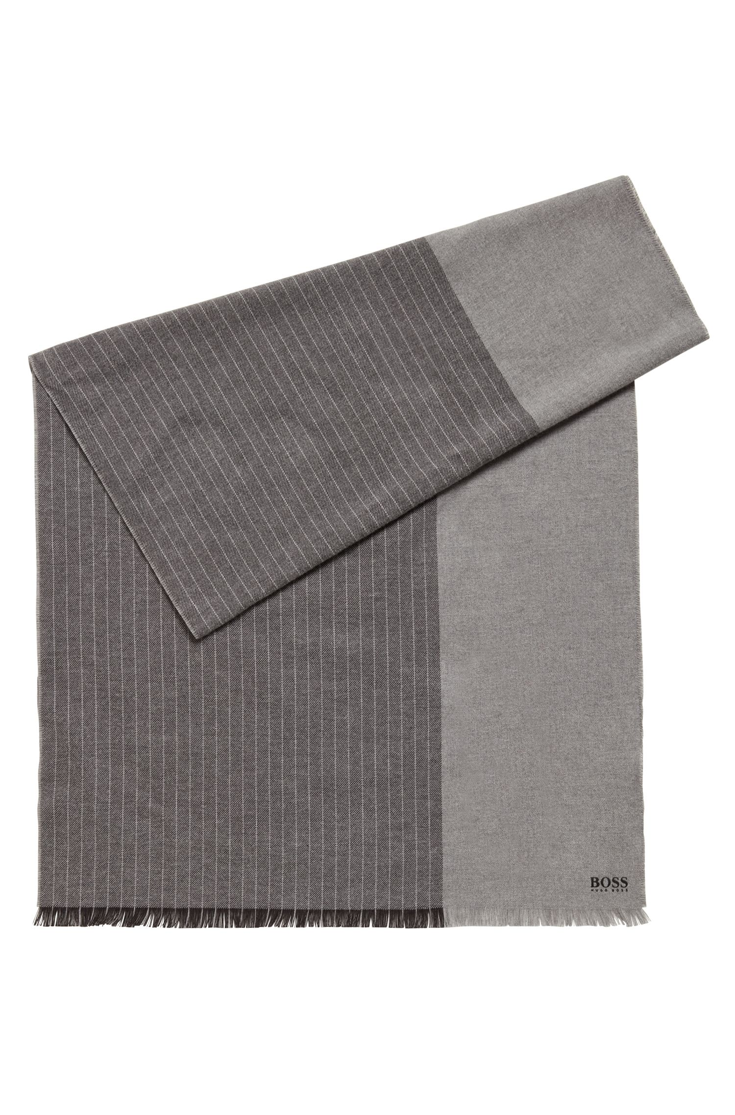 Schal aus gebürsteter Baumwolle mit Blockstreifen und Logo, Grau