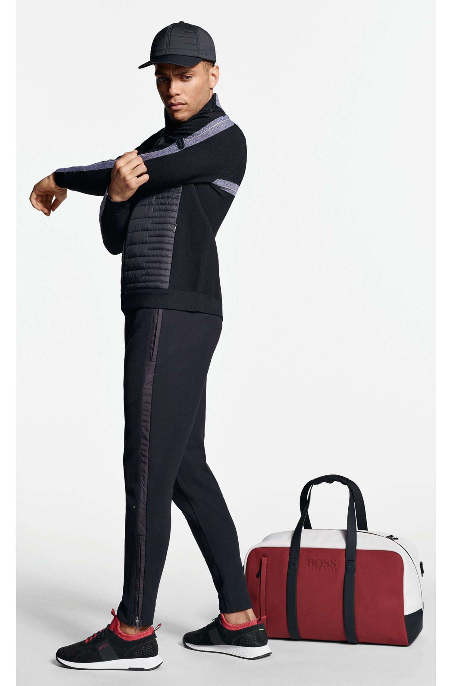 Casquette en tissu technique stretch avec panneau avant matelassé, Noir