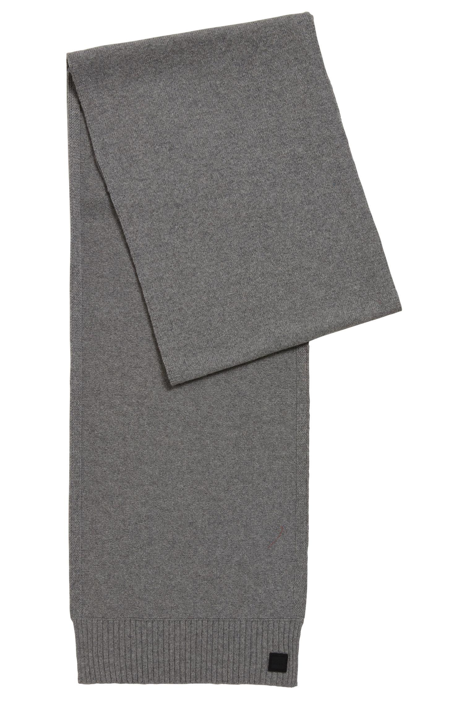 Strukturierter Strickschal aus italienischem Garn, Grau