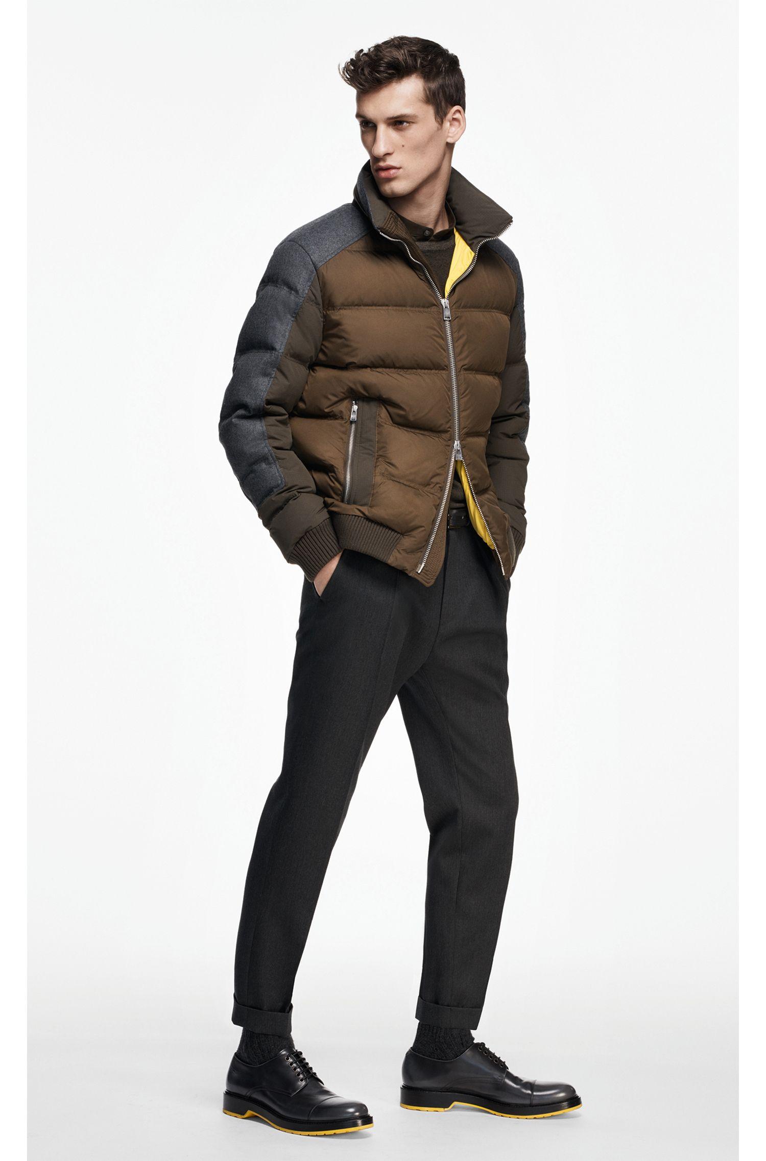 Wasserabweisende Regular-Fit Jacke mit Daunenfüllung