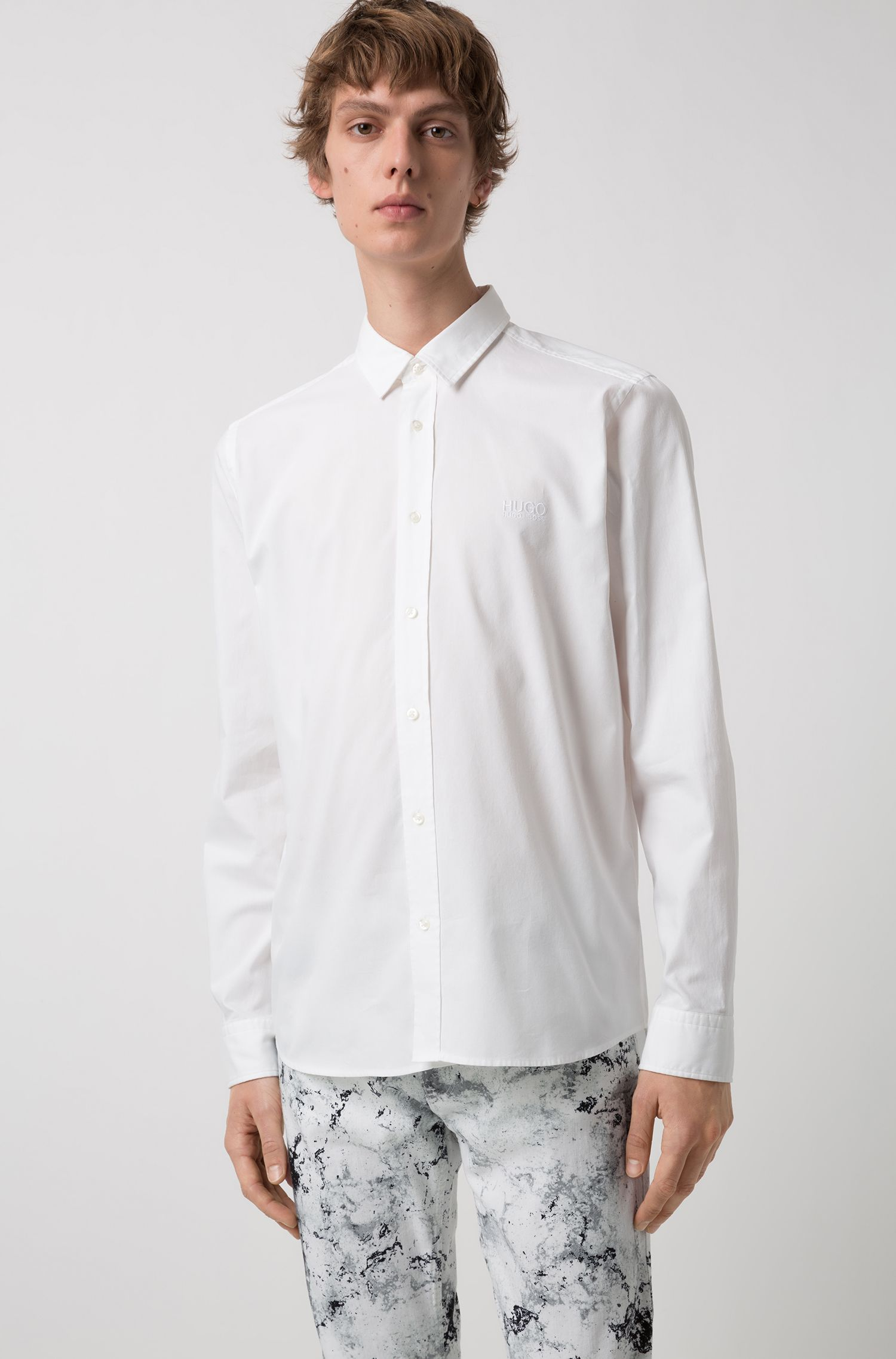 Relaxed-fit washed Oxford shirt with logo embroidery, White