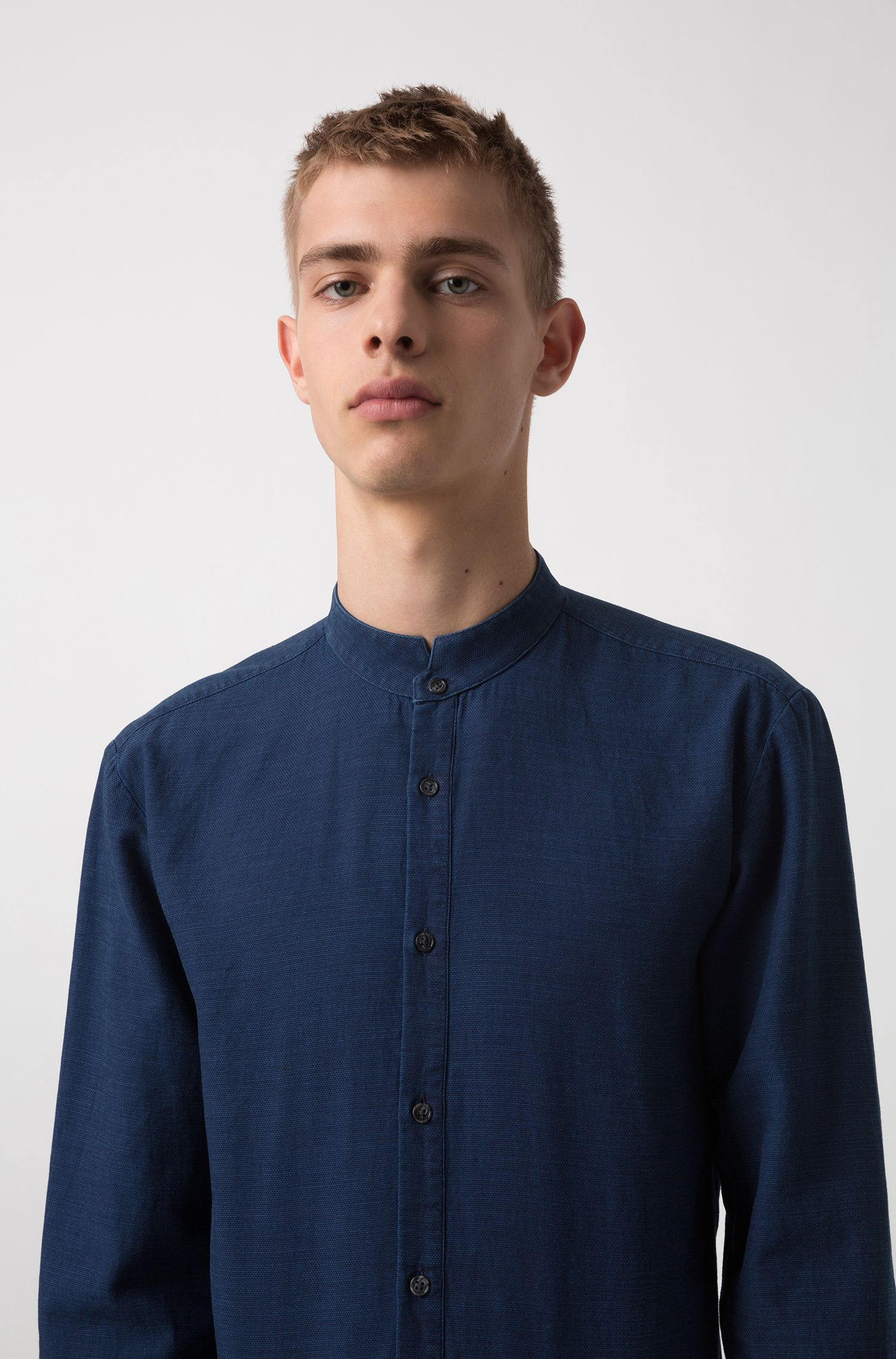 Extra-slim-fit indigo cotton shirt with stand collar, Dark Blue