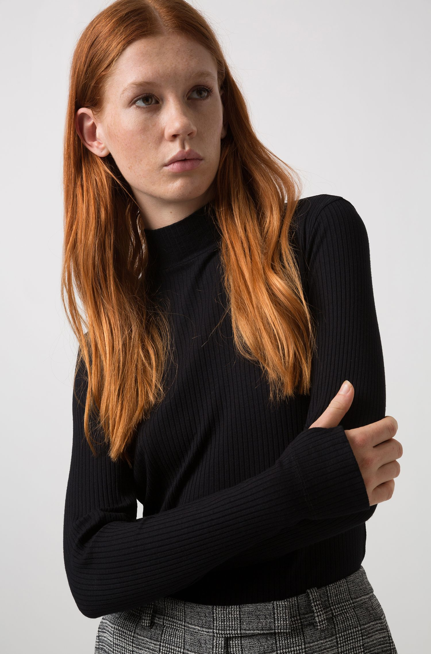Slim-fit long-sleeved ribbed T-shirt with turtleneck