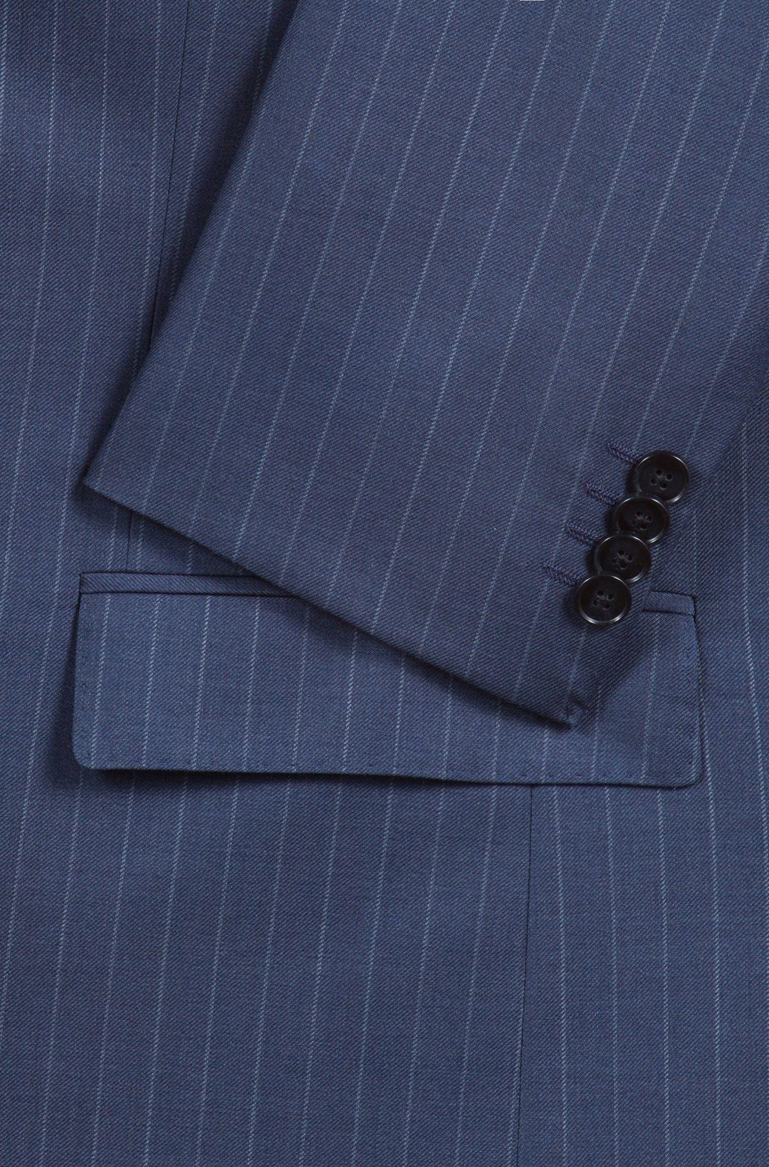Traje regular fit en lana virgen a rayas