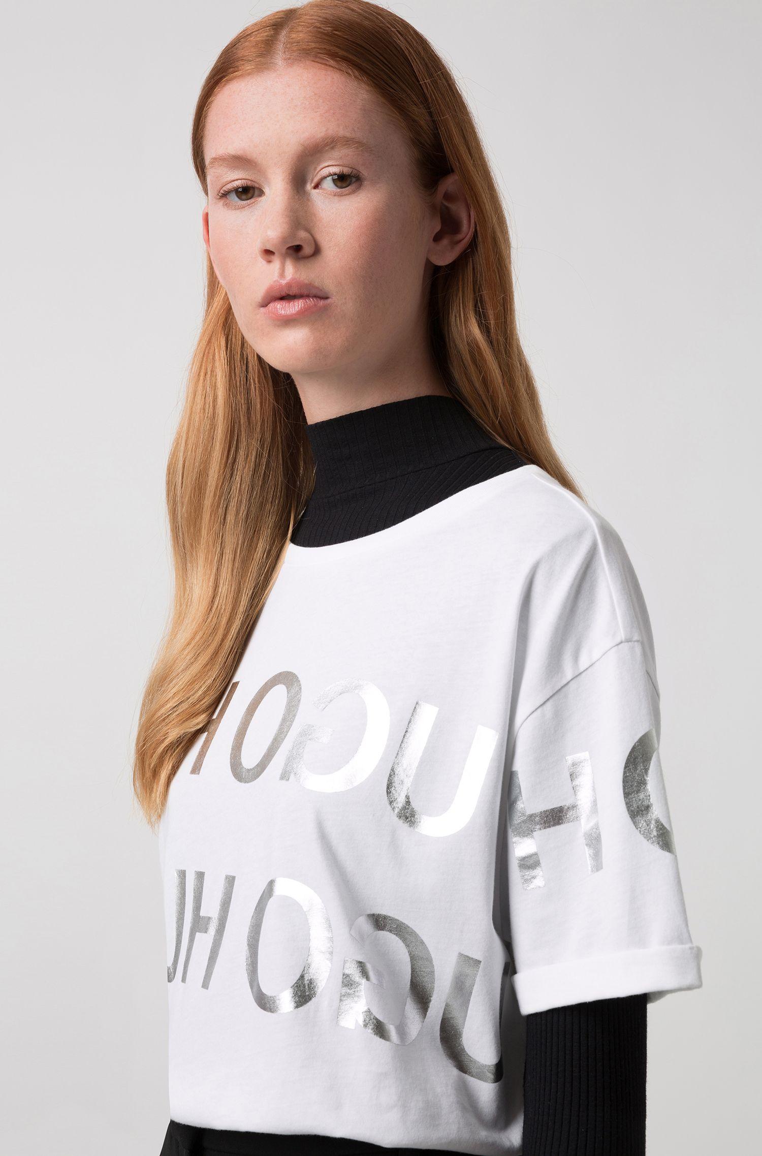 Camiseta relaxed fit con logo invertido estampado de aspecto plateado, Fantasía