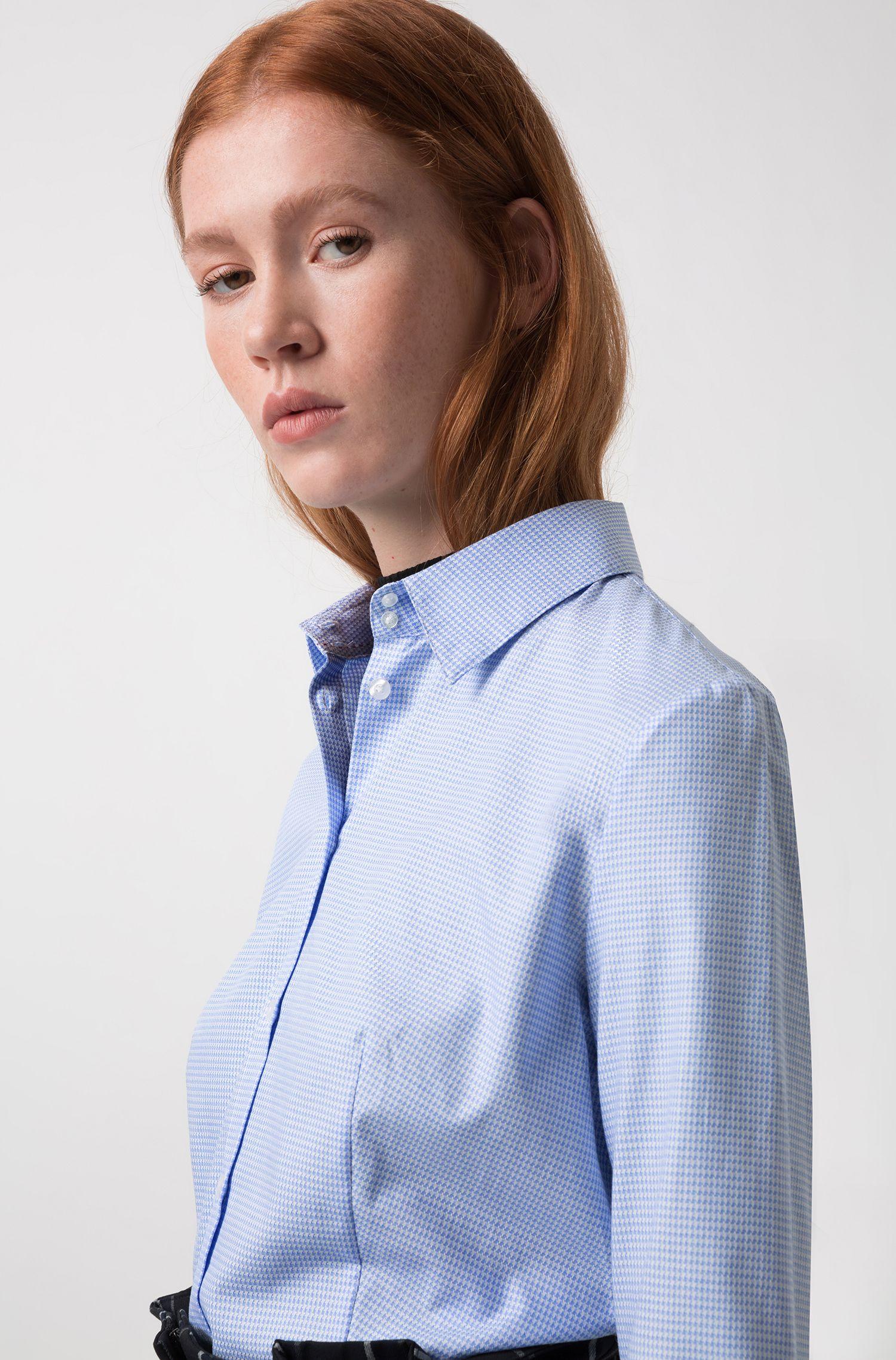 Blusa slim fit de algodón en jacquard con microestampado de pata de gallo, Celeste