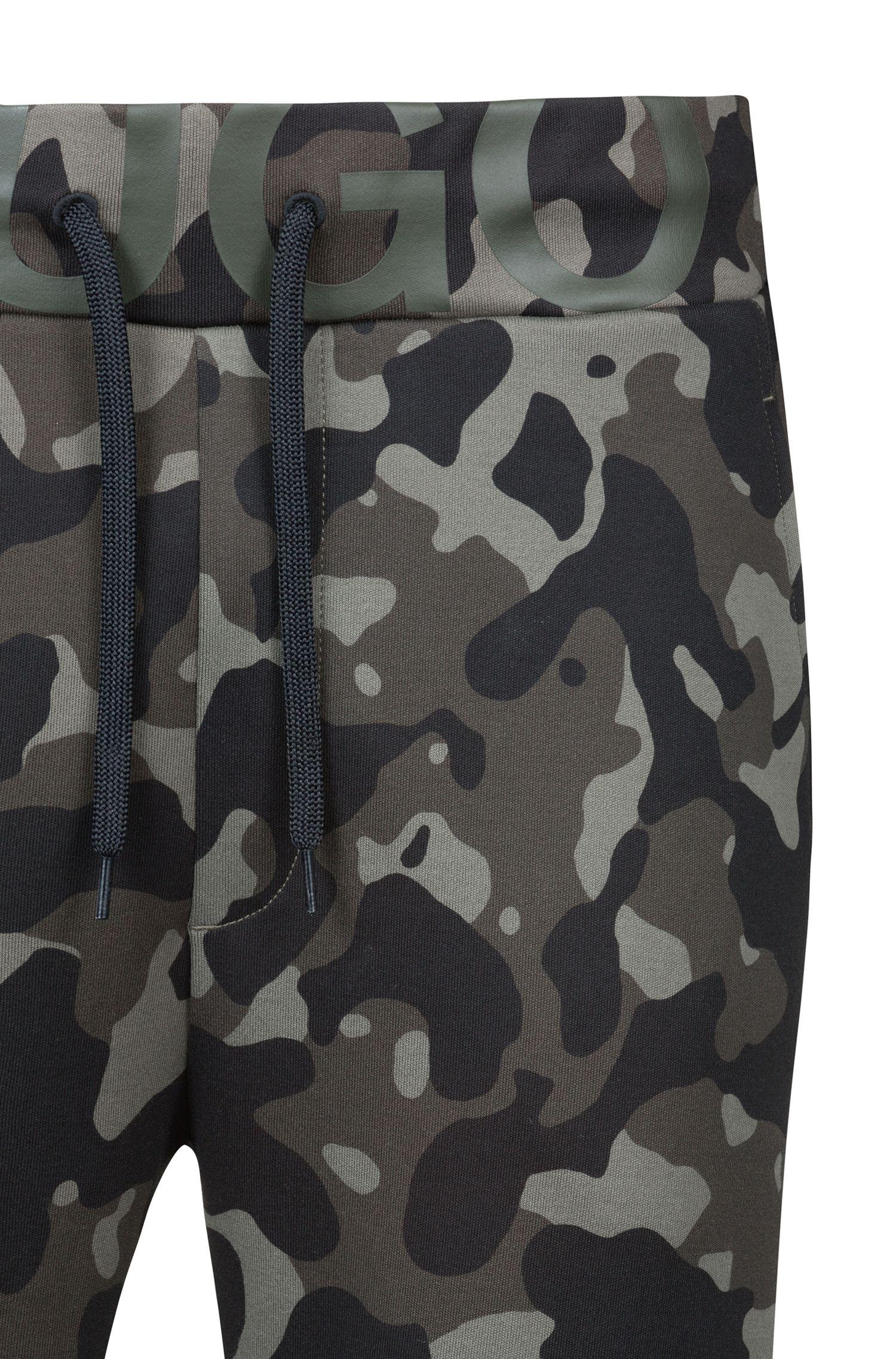 Regular-Fit Hose aus Baumwoll-Jersey mit Camouflage-Print, Gemustert