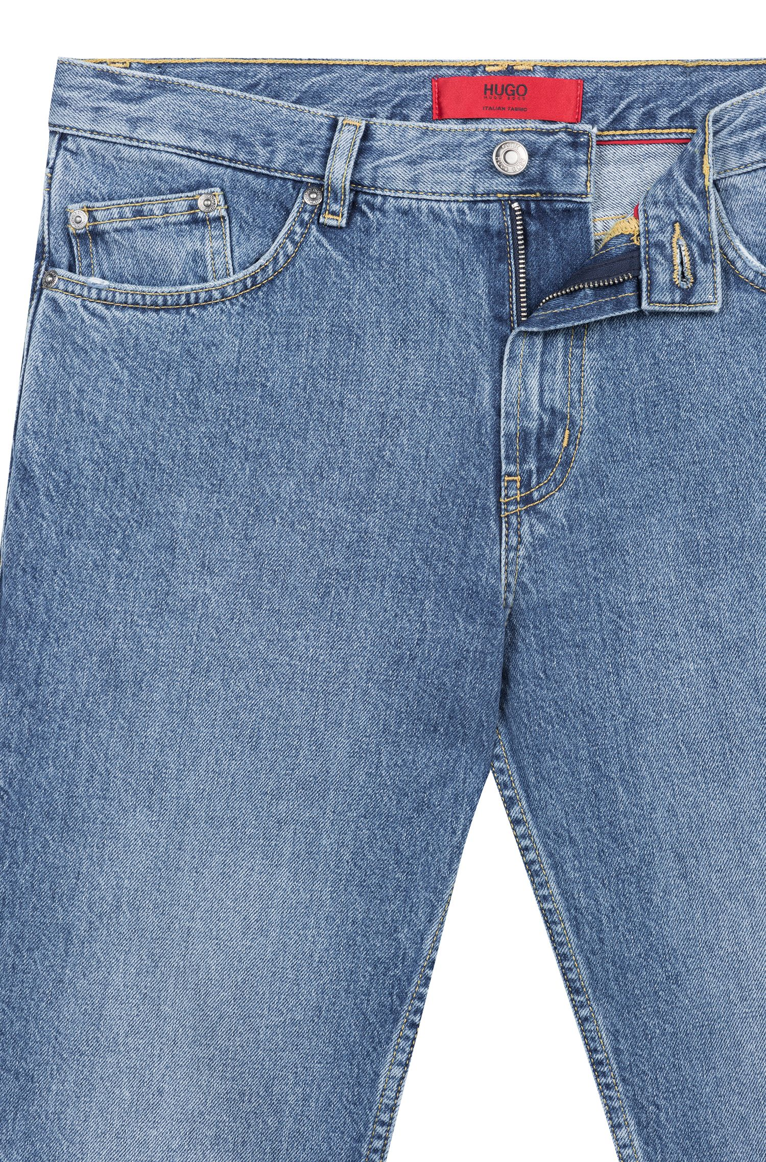 Jeans tapered fit in denim realizzato in Italia, Celeste