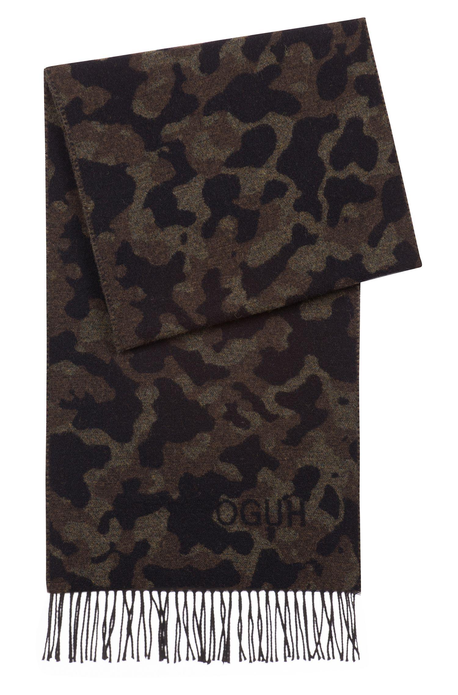 Sjaal van een geborstelde wolmix met camouflagedessin, Bedrukt