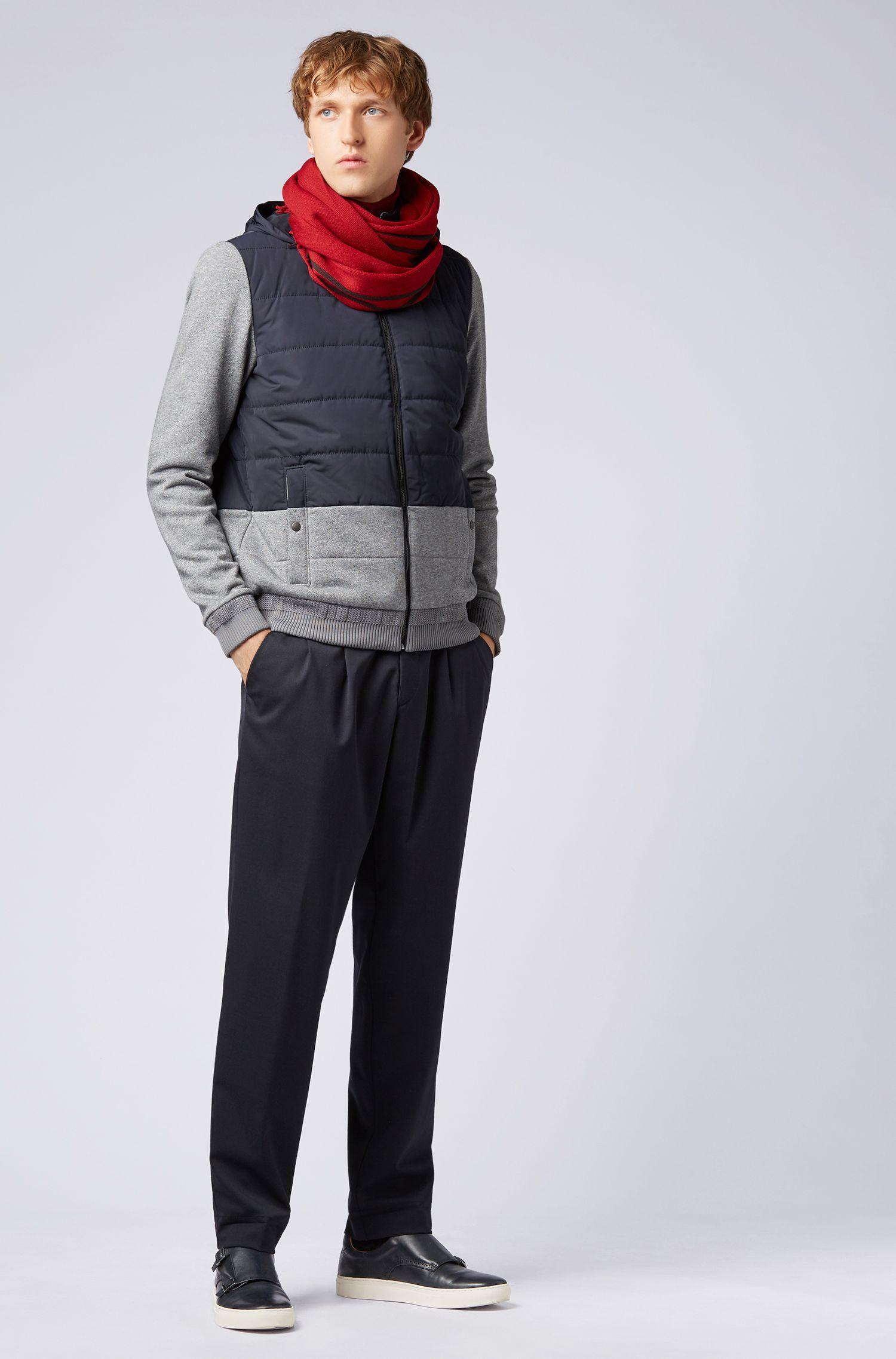 Écharpe en laine vierge à rayures placées raffinées, Rouge sombre