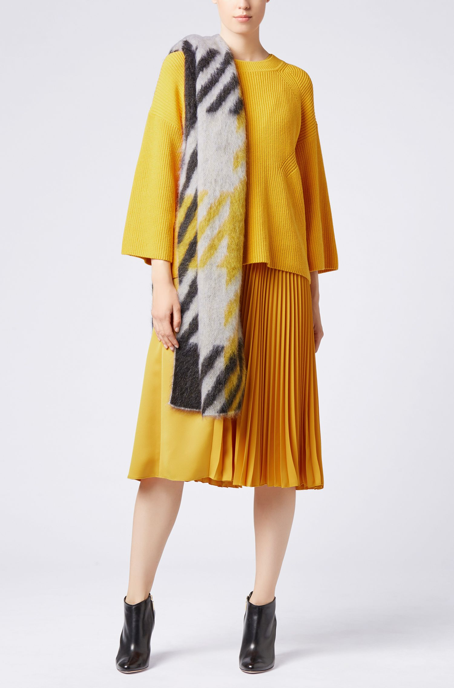 Oversized-check scarf in a wool blend, Patterned