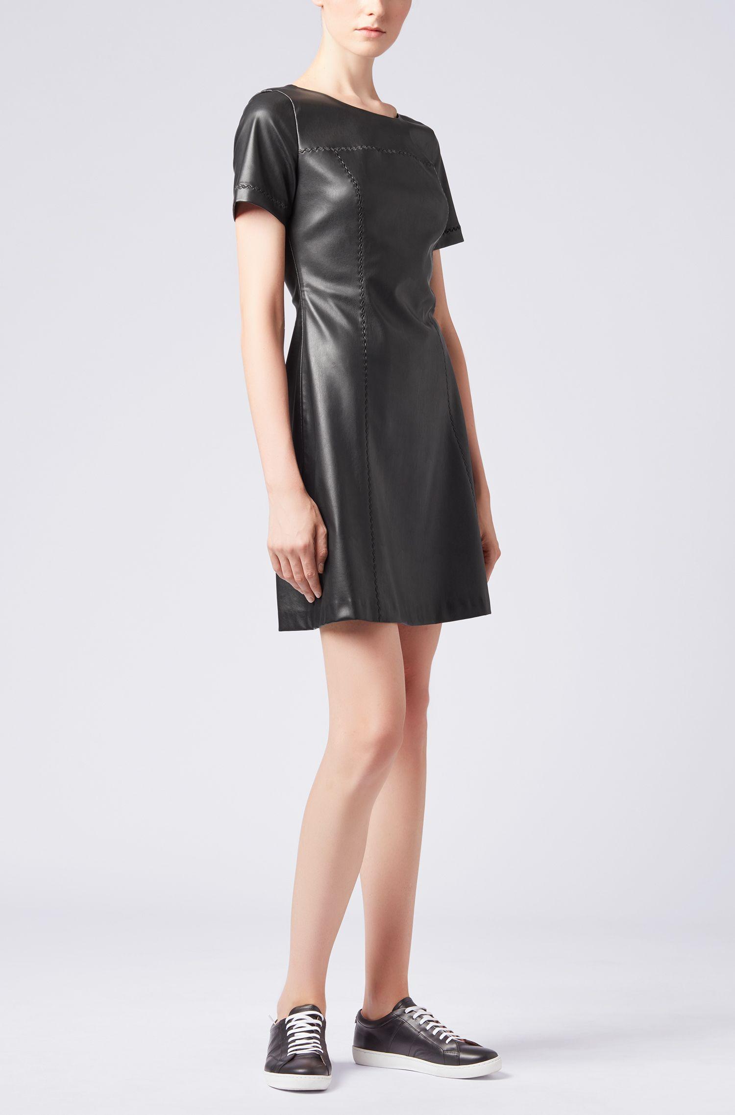 Kunstleder-Kleid in A-Linie mit Stickerei