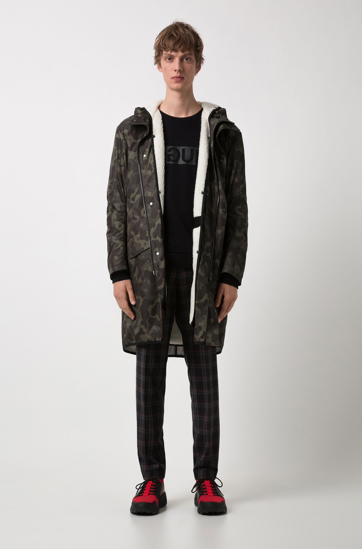 Abrigo en estampado de camuflaje con forro desmontable de imitación de zalea, Verde oscuro