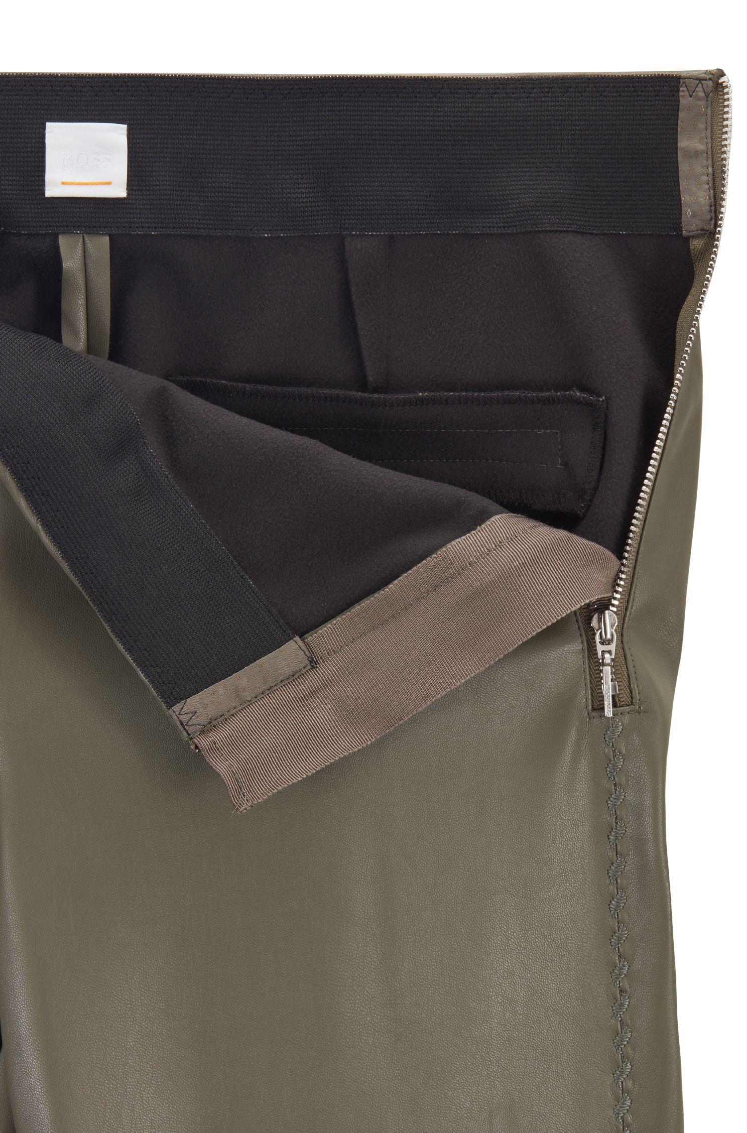 Pantalon façon legging, en similicuir rehaussé de broderies, Kaki