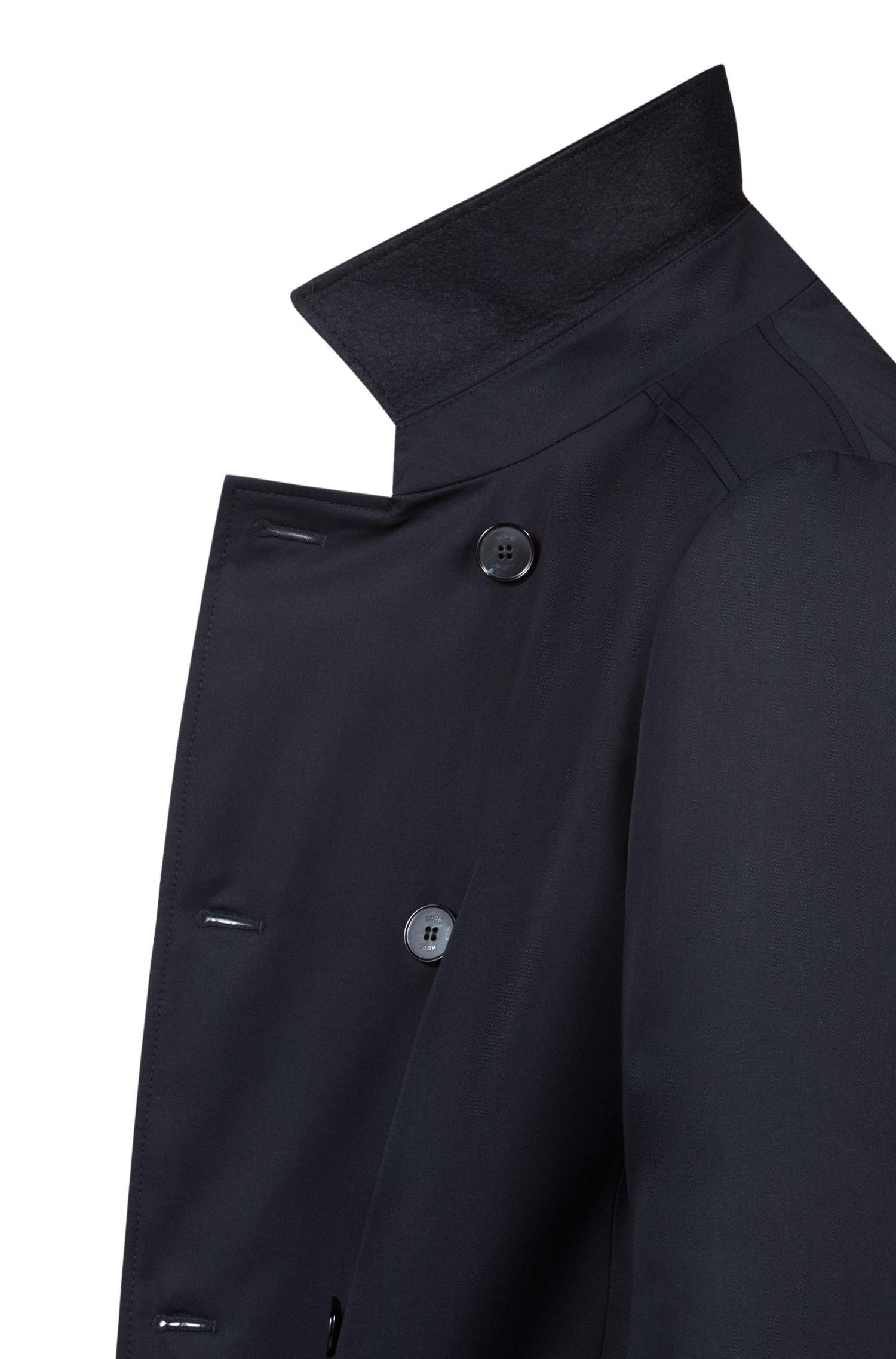 Slim-fit trenchcoat van waterafstotend, technisch materiaal, Zwart