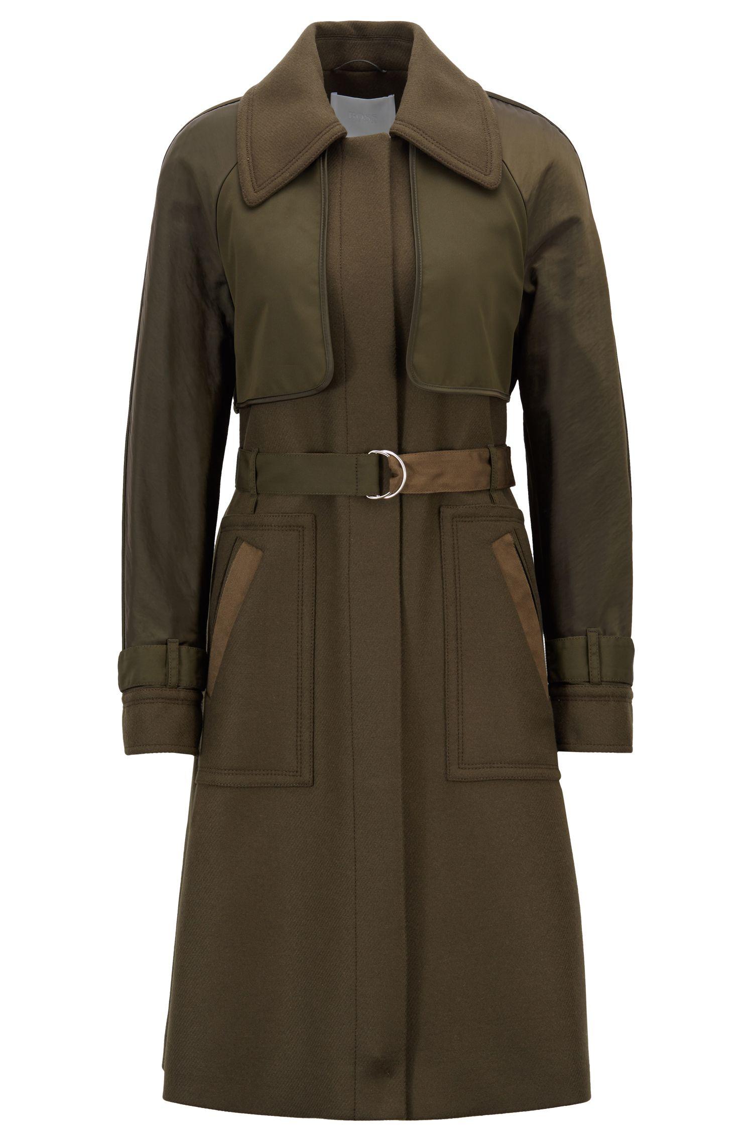 Gabardina de sarga con detalles de tejido en contraste, Verde oscuro