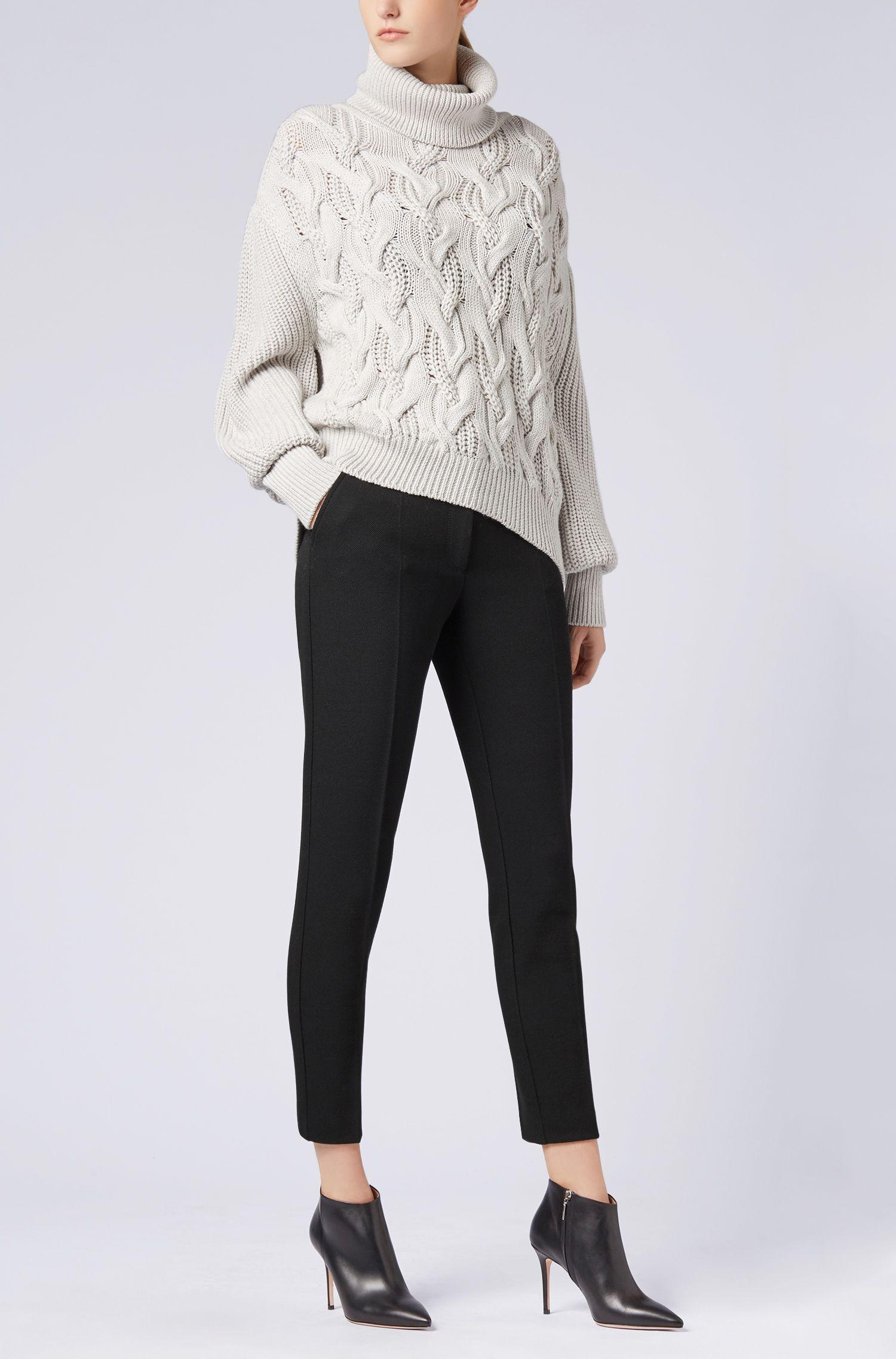 Pantalones tobilleros regular fit en suave crepé elástico, Negro