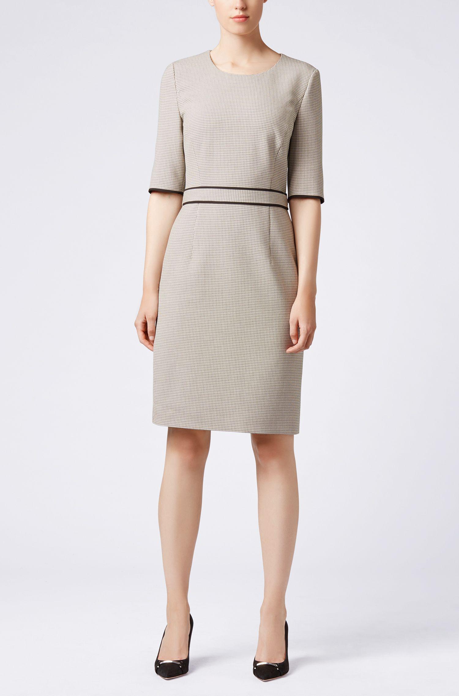 Kariertes Kleid aus Stretch-Gewebe mit 3/4-Ärmeln, Gemustert