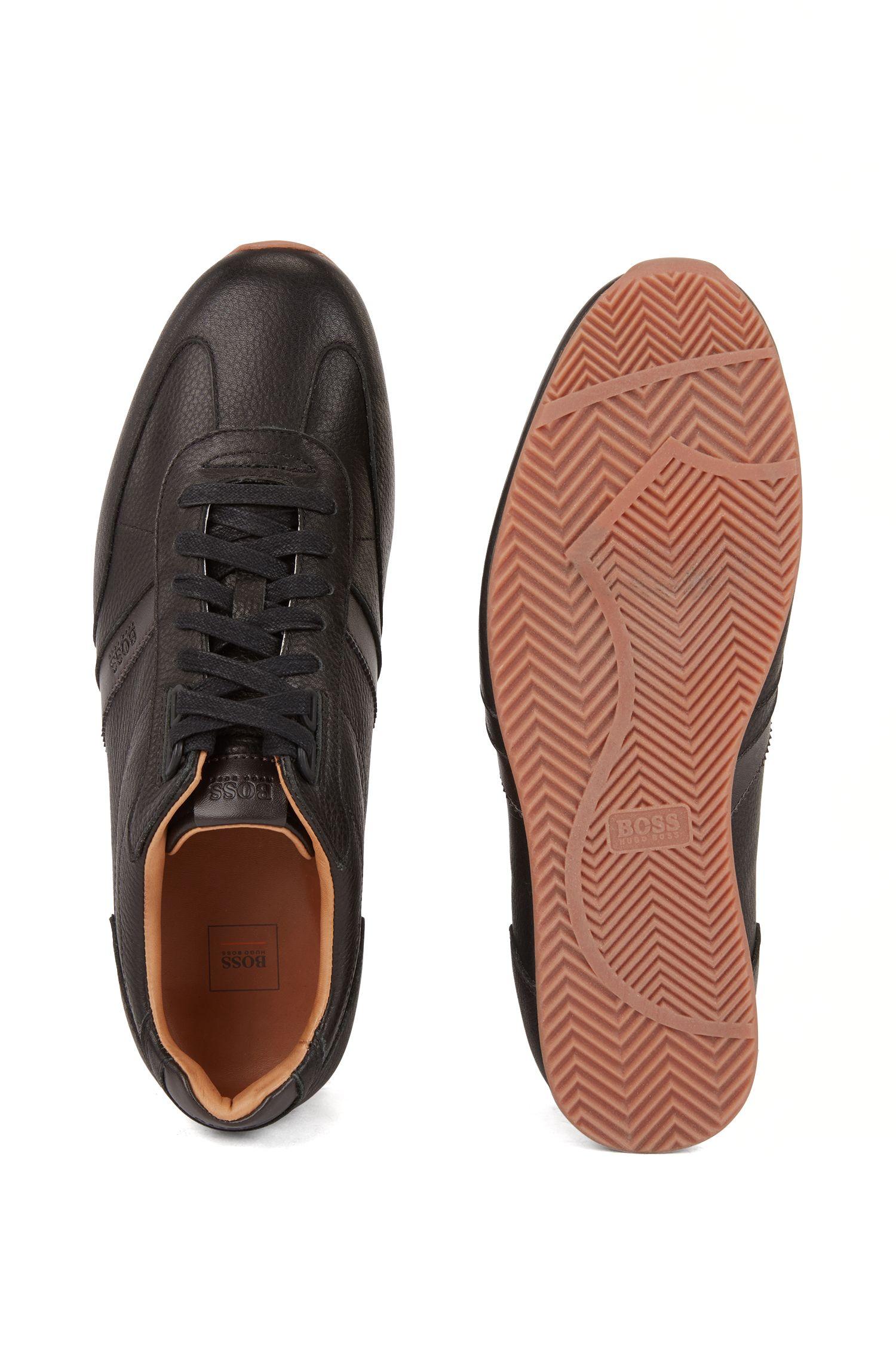 Lowtop-Sneakers aus gewalktem Leder mit Logo-Detail, Schwarz