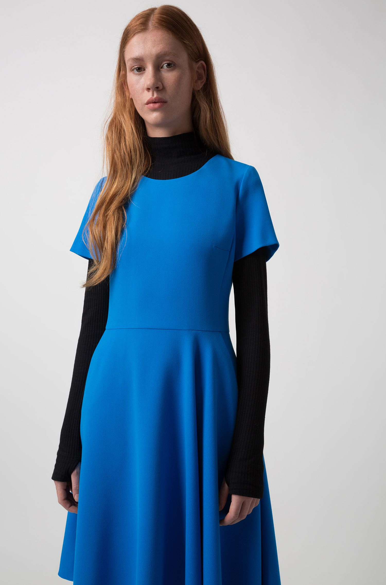 Short-sleeved dress in stretch crepe with asymmetric hem, Blue