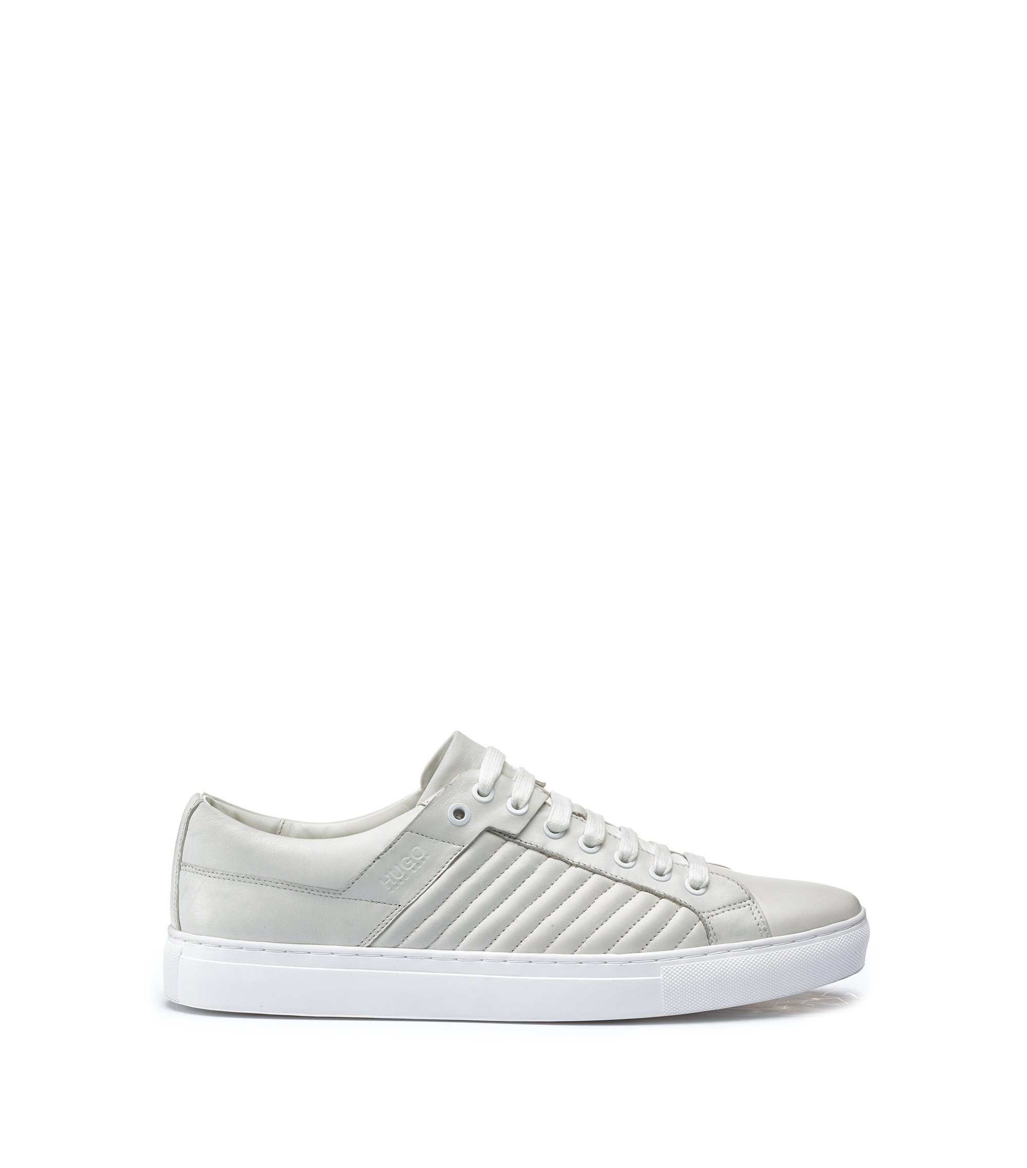 Tennis-style trainers in lambskin with matelassé detailing, Weiß