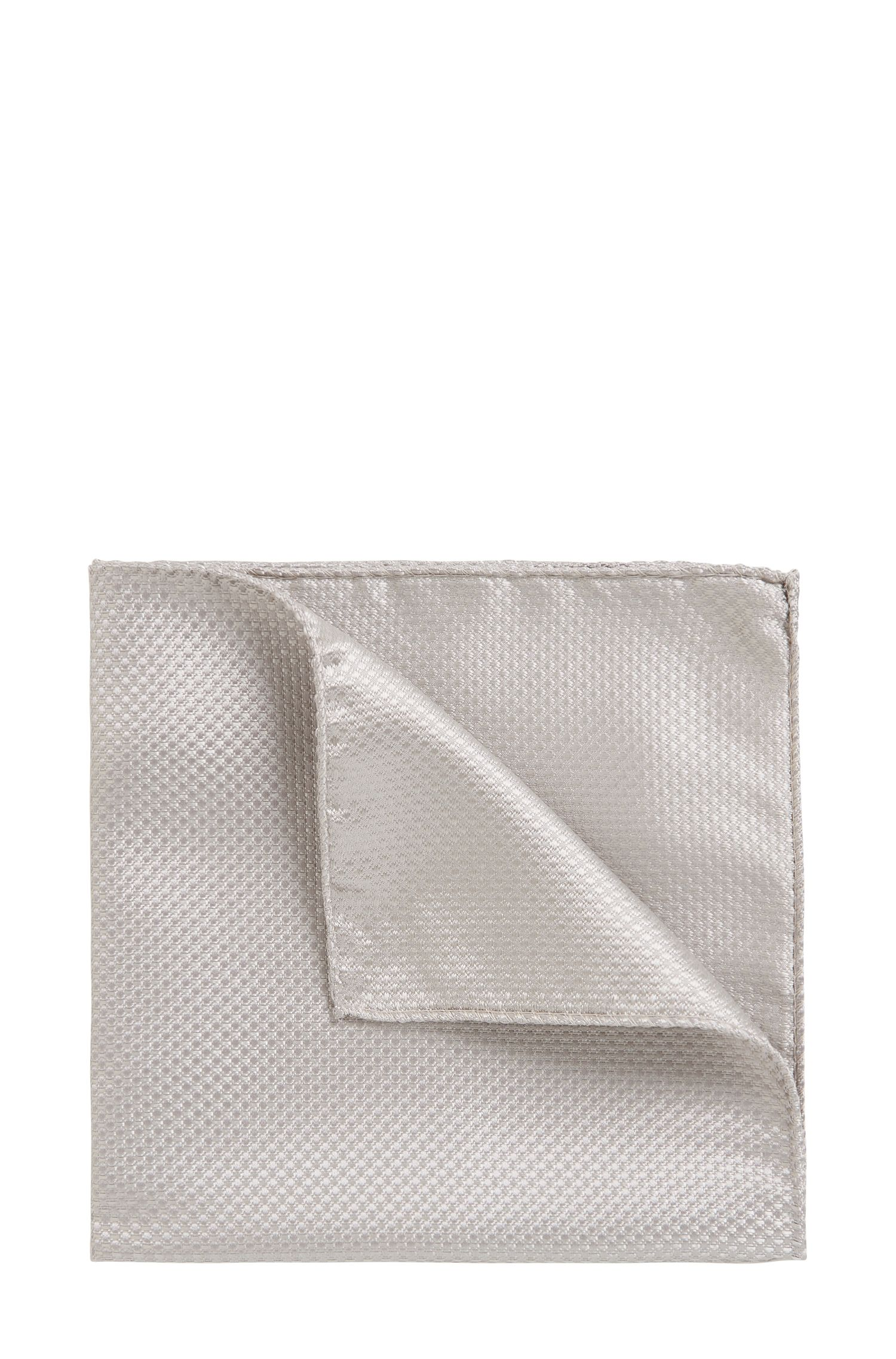 Italian-made pocket square in lustrous silk jacquard