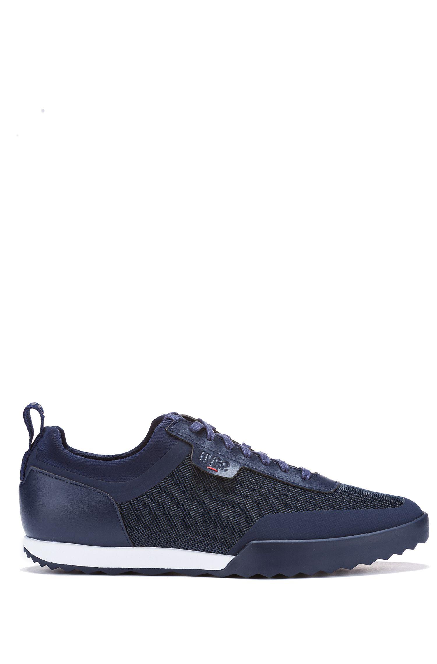 Lage sneakers van een technische materiaalmix, Donkerblauw