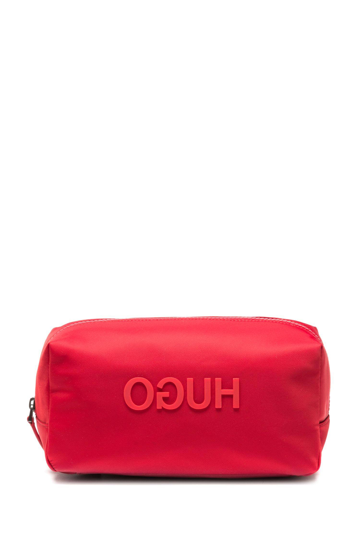 Trousse de toilette en gabardine technique, avec logo inversé gommé, Rouge