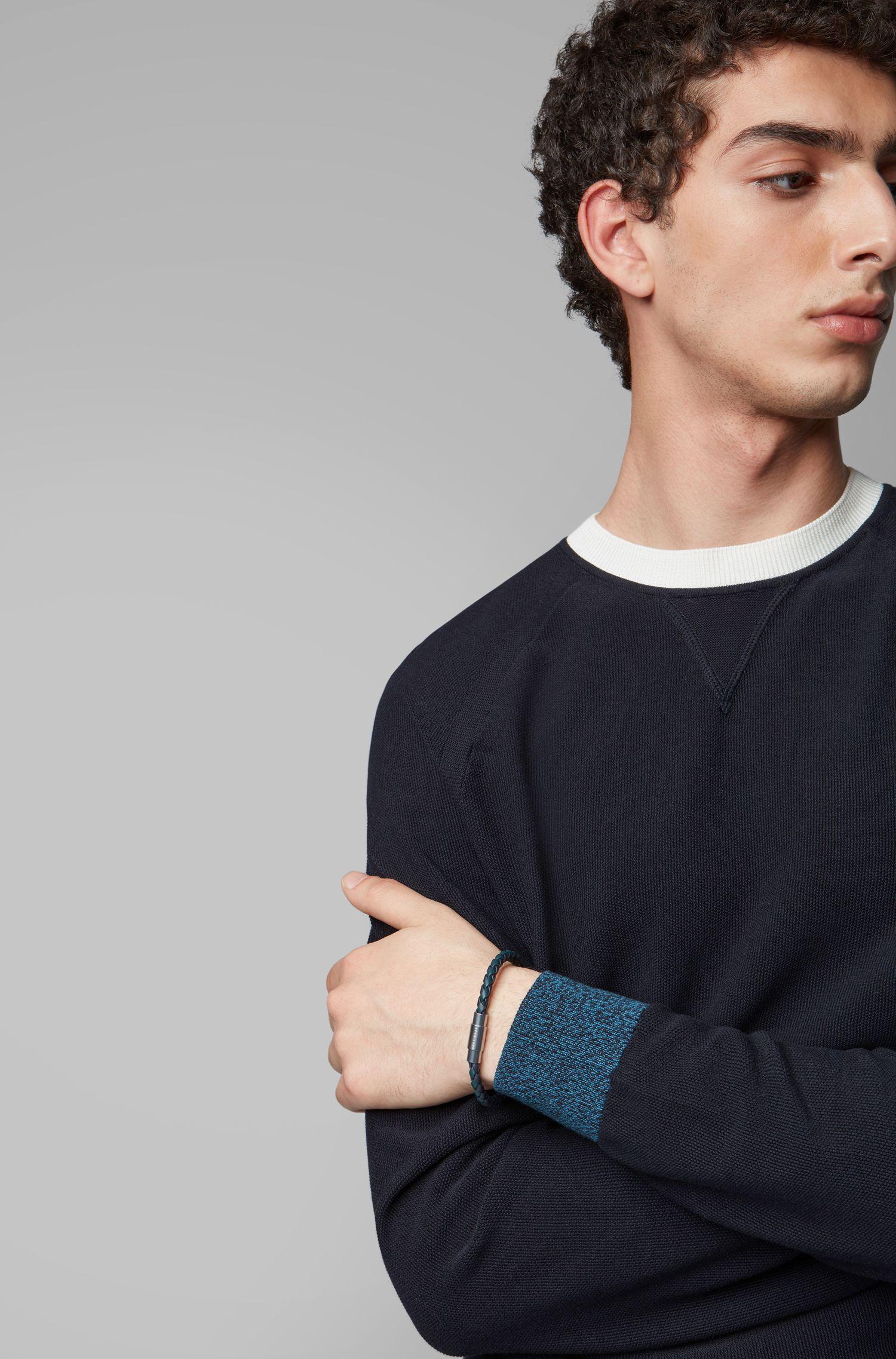 Bracelet confectionné en Italie en cuir de veau tissé, Bleu
