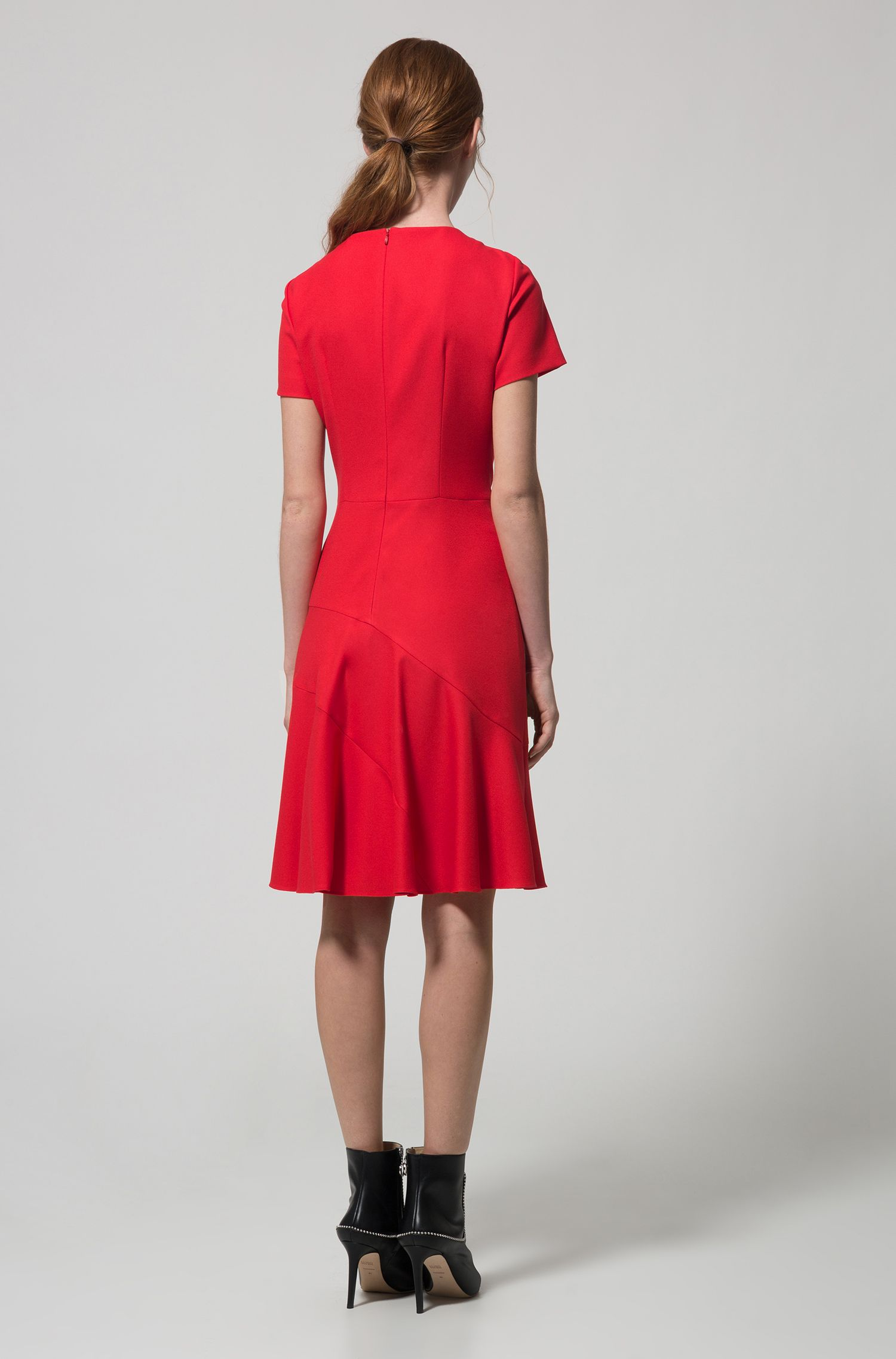 Kurzarm-Kleid aus Stretch-Krepp in A-Linie, Rot
