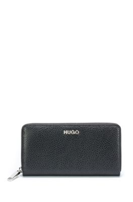 92d526229e8 Find elegant wallets and purses for women from HUGO BOSS!