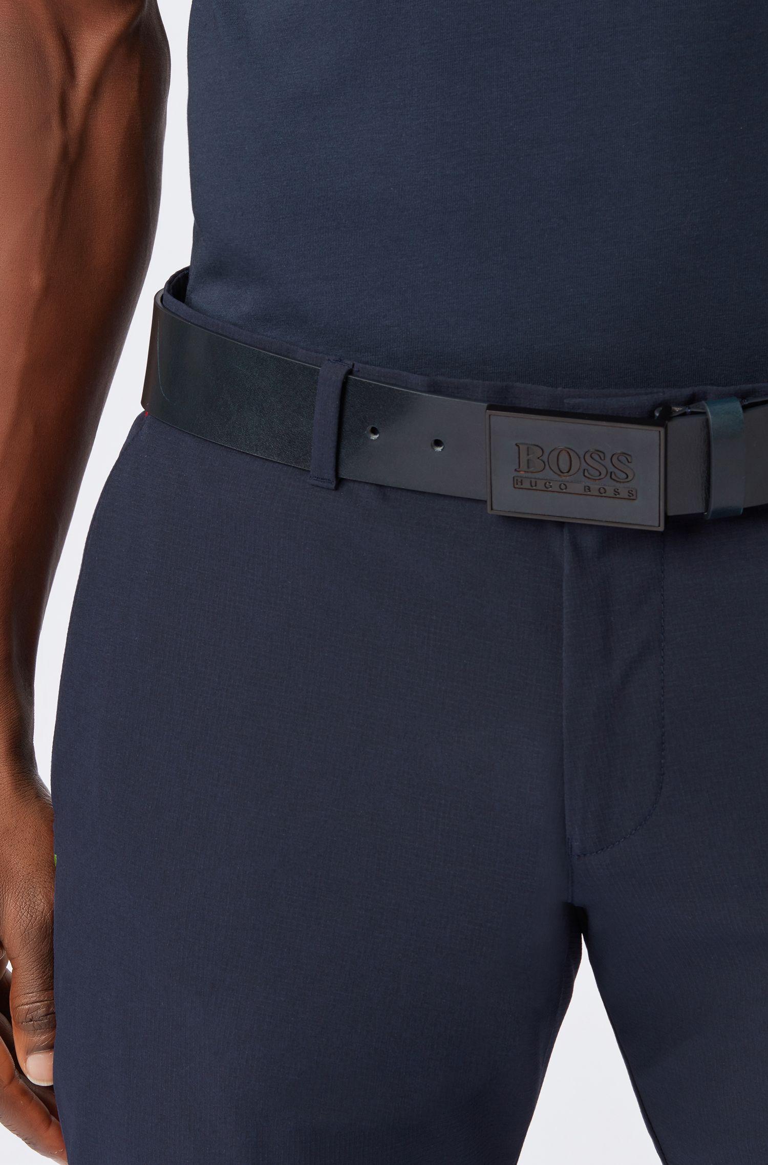 Cinturón de piel lisa con un moderno cierre de placa, Azul oscuro