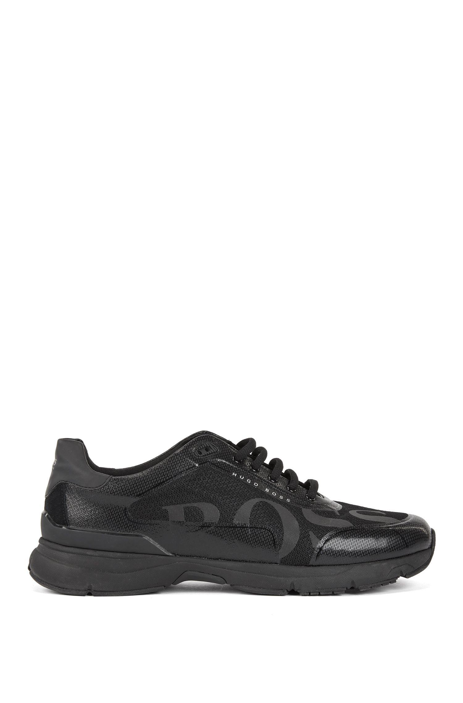 Sneakers im Laufschuh-Stil mit innovativem Innenfutter, Schwarz