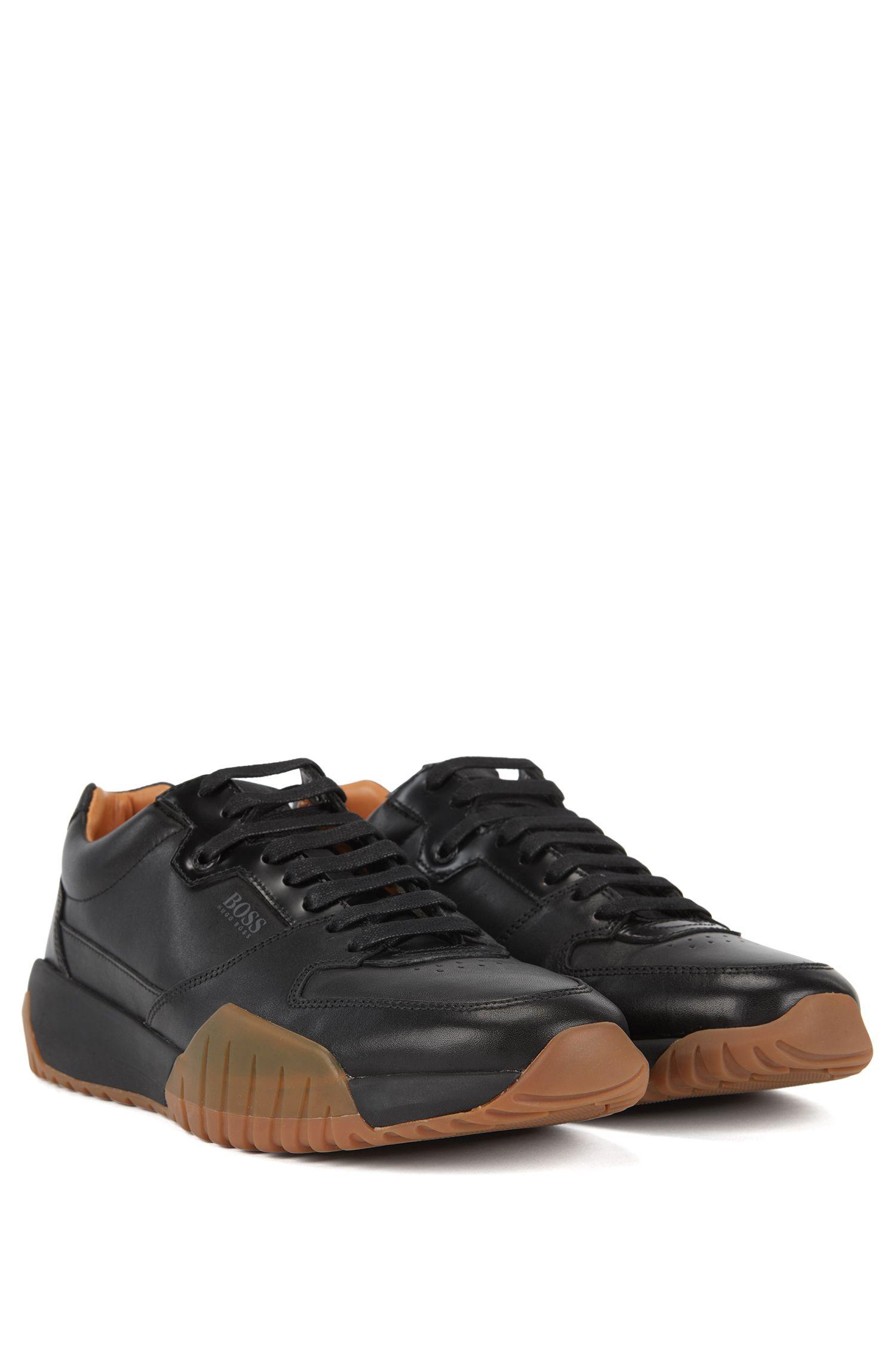 Baskets inspirées des chaussures de course avec tige en cuir de veau, Noir