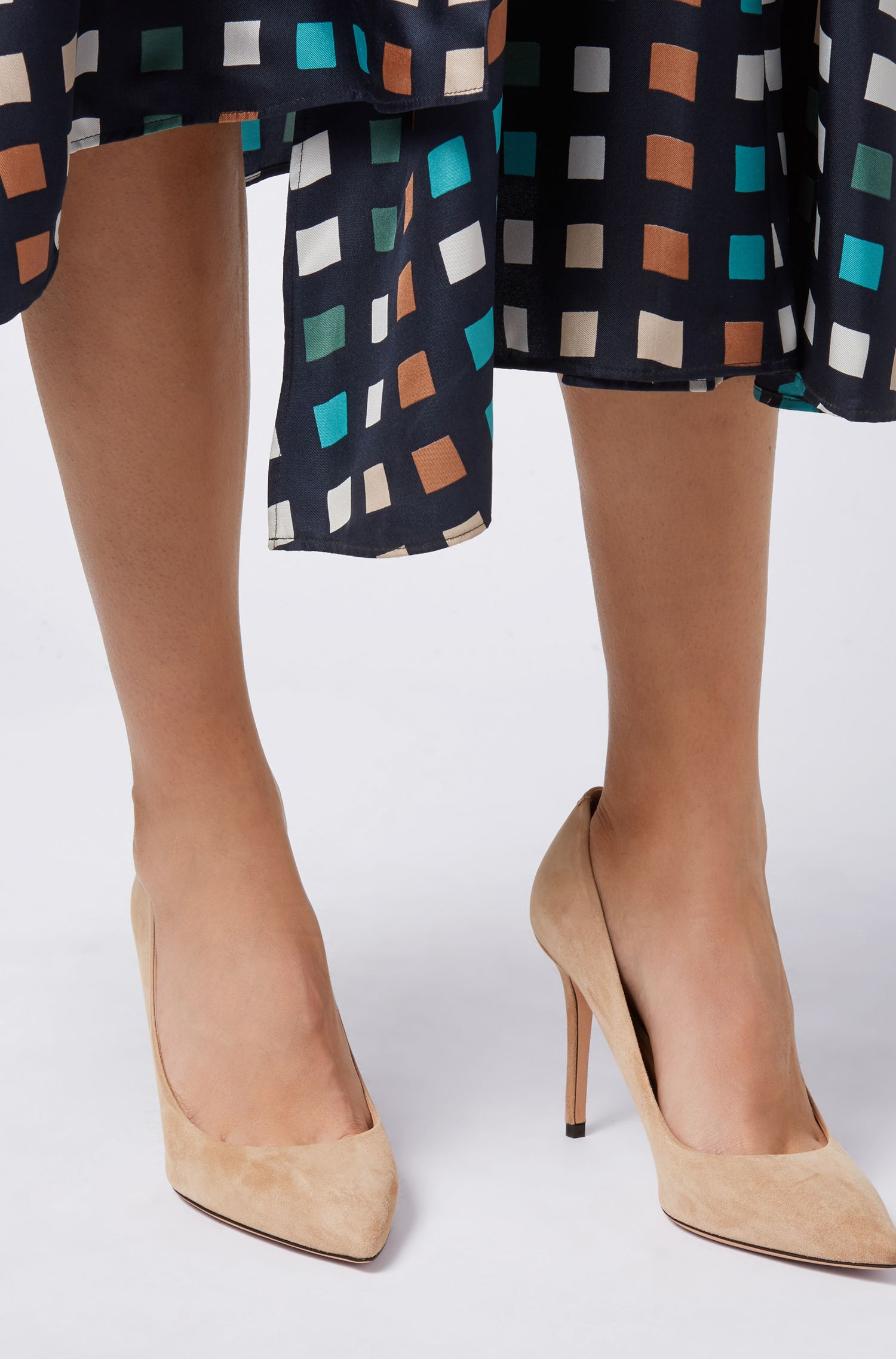 Hugo Boss - Pointed-toe court shoes in Italian suede - 4