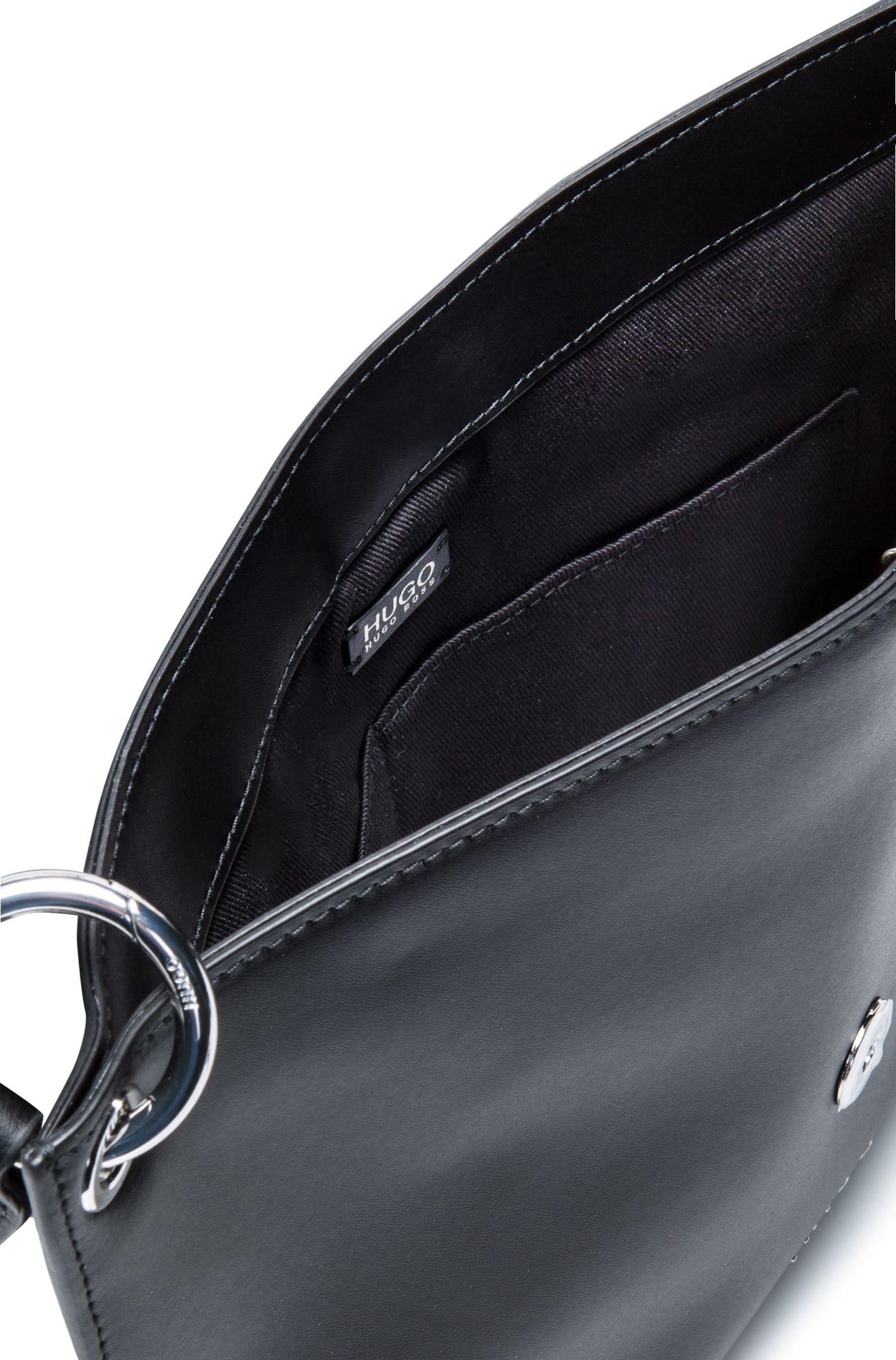 Umhängetasche aus mattem Leder mit Reißverschluss, Schwarz