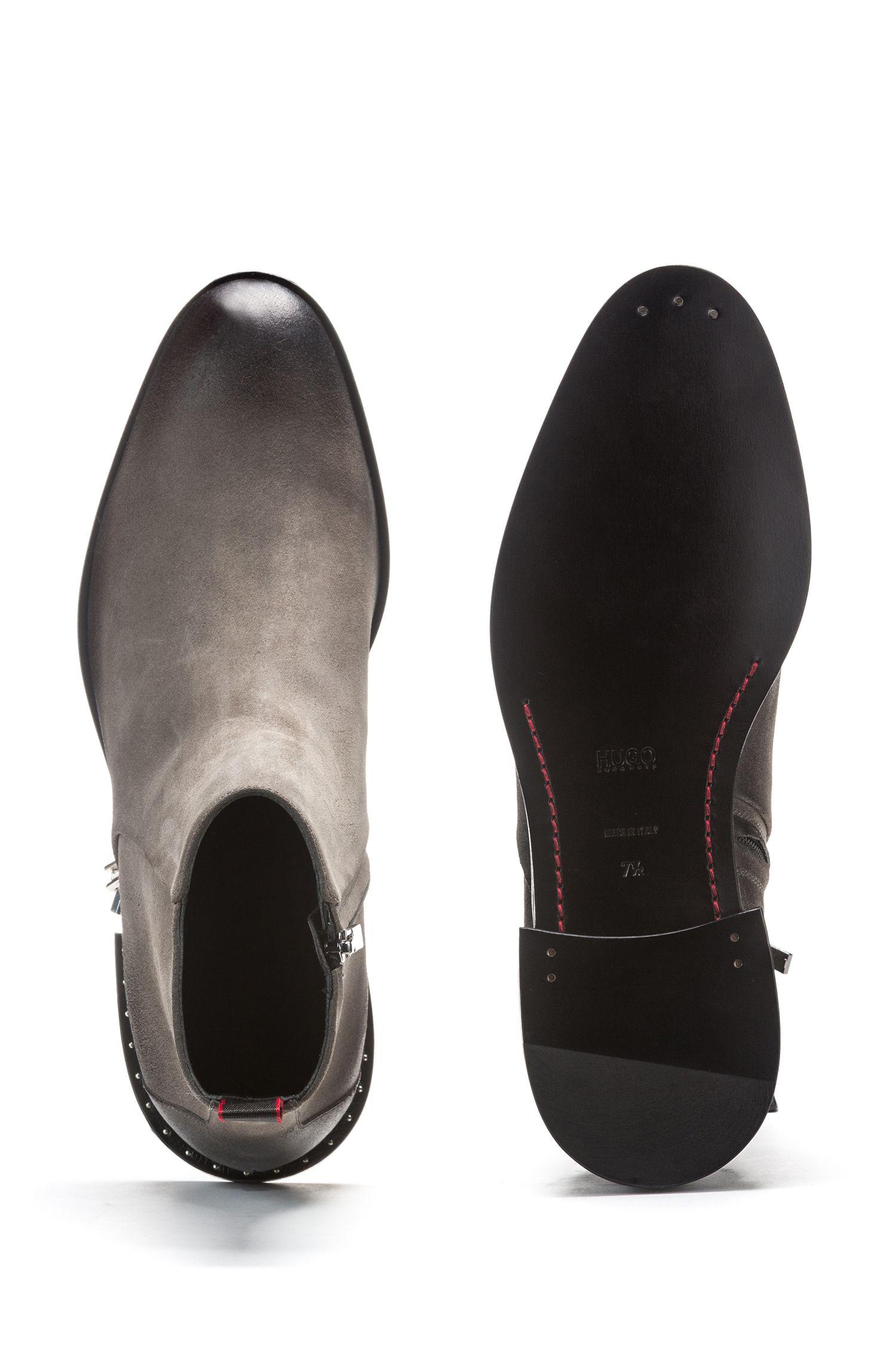 Stivali con zip in pelle scamosciata cerata con tacco borchiato, Grigio scuro