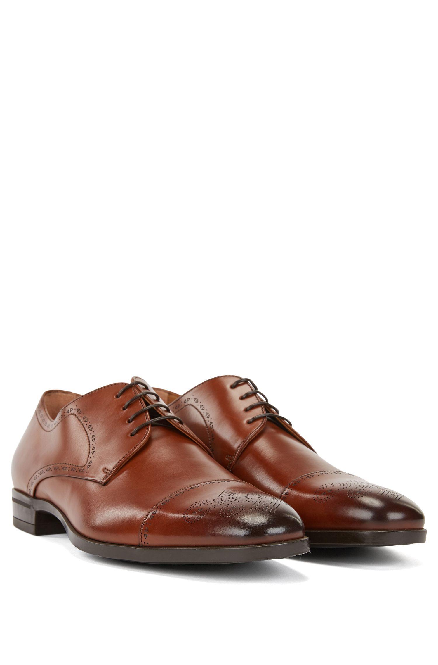 Chaussures derby en cuir poli découpé au laser, avec détails richelieu, Marron